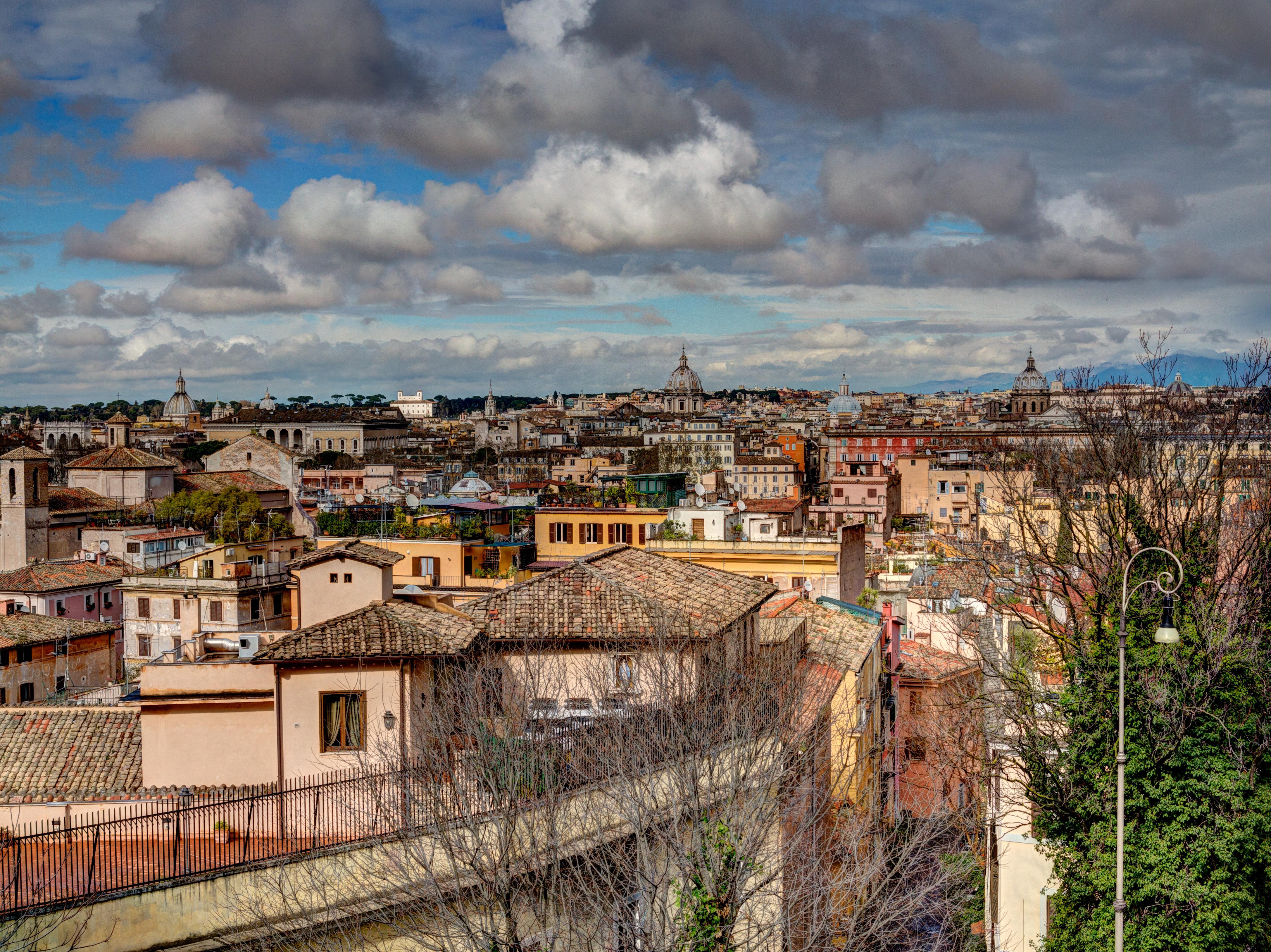 File Trastevere Roma Via Garibaldi 2013 03 Jpg Wikimedia