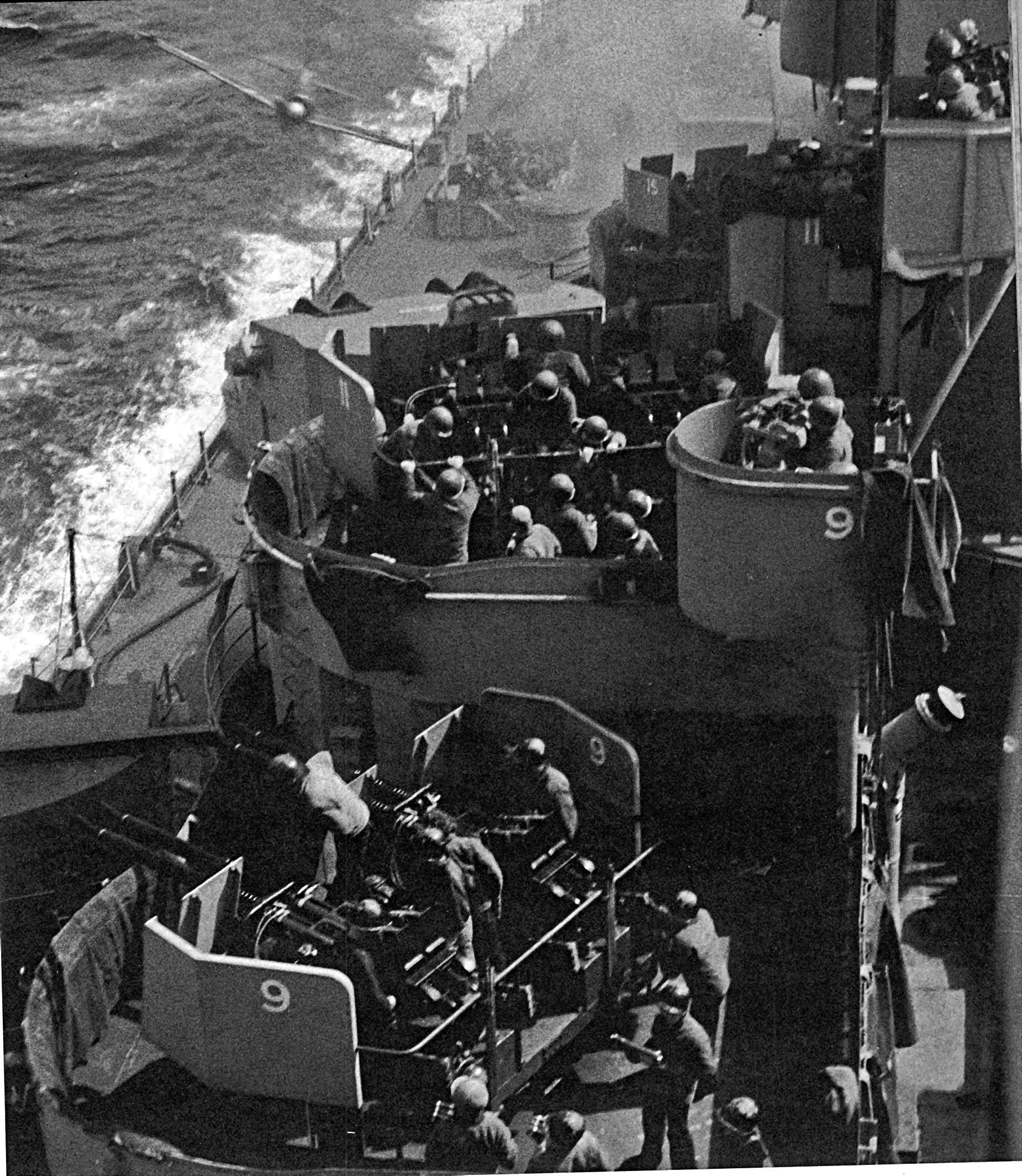 File:USS Missouri Zero Kamikaze.jpg - Wikimedia Commons