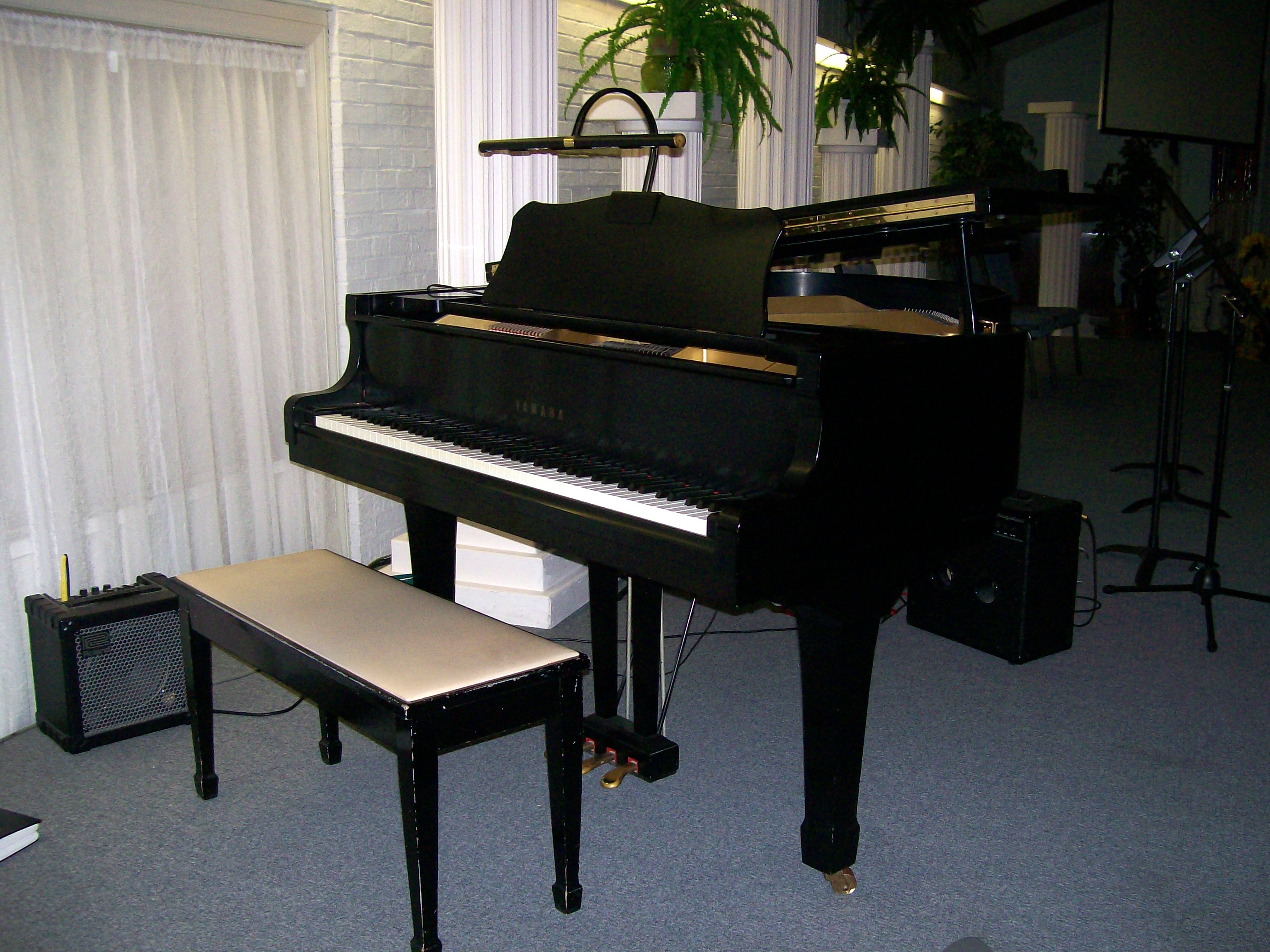 Yamaha Baby Grand Piano Gbkpe