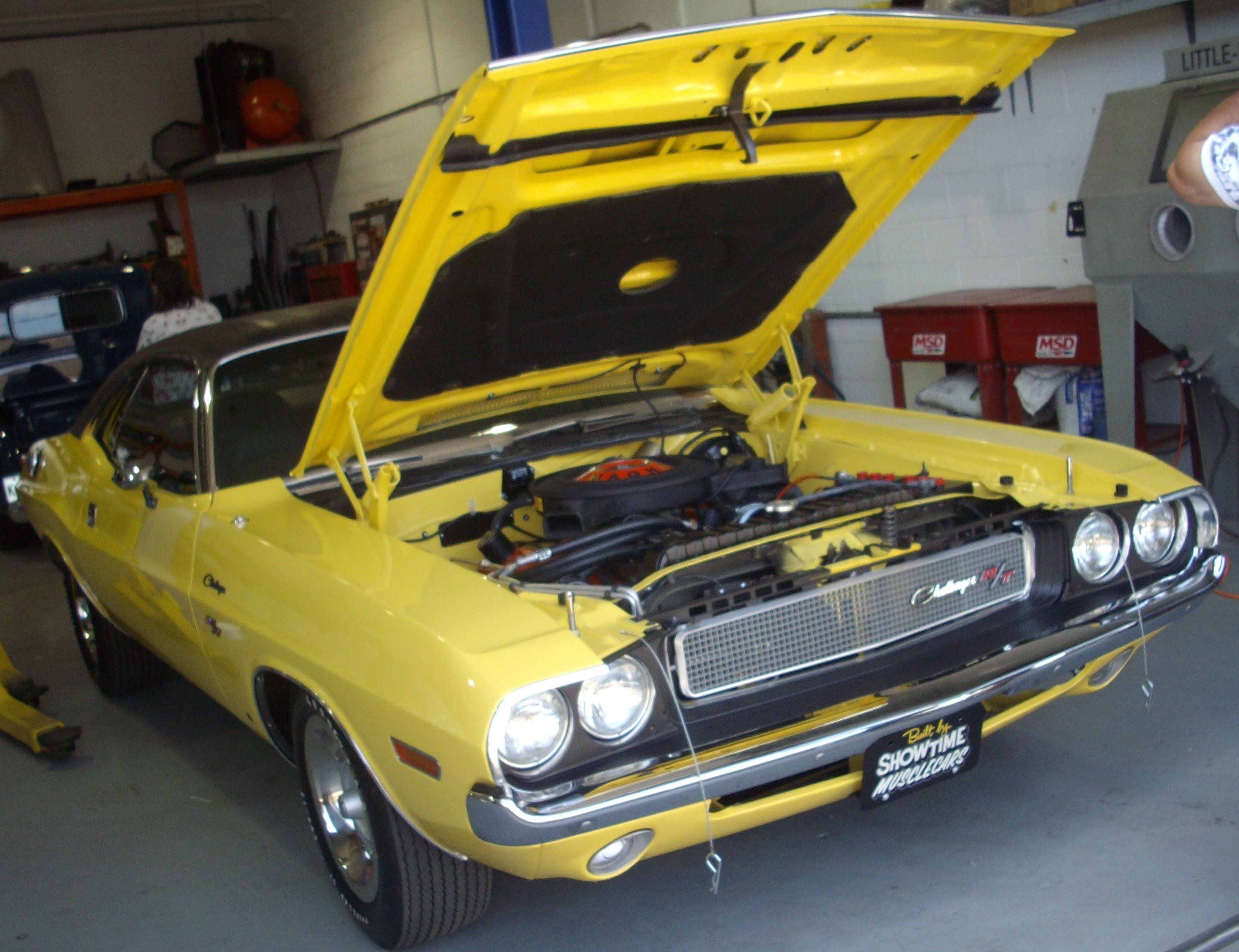 file:'70 dodge challenger (auto classique showtime muscle cars '12