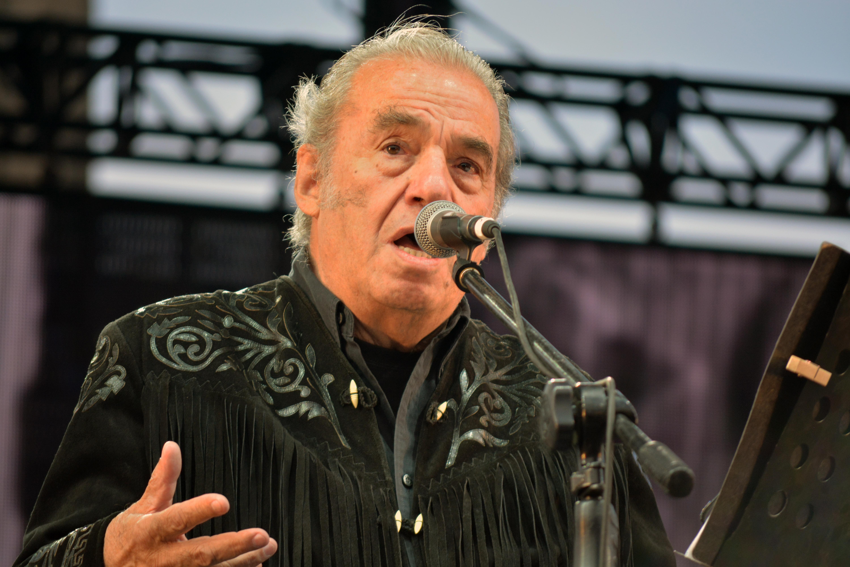 Óscar Chávez en 2016