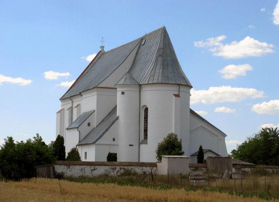 Католический храм св. Троицы в городке Чернавчицы (Белоруссия)