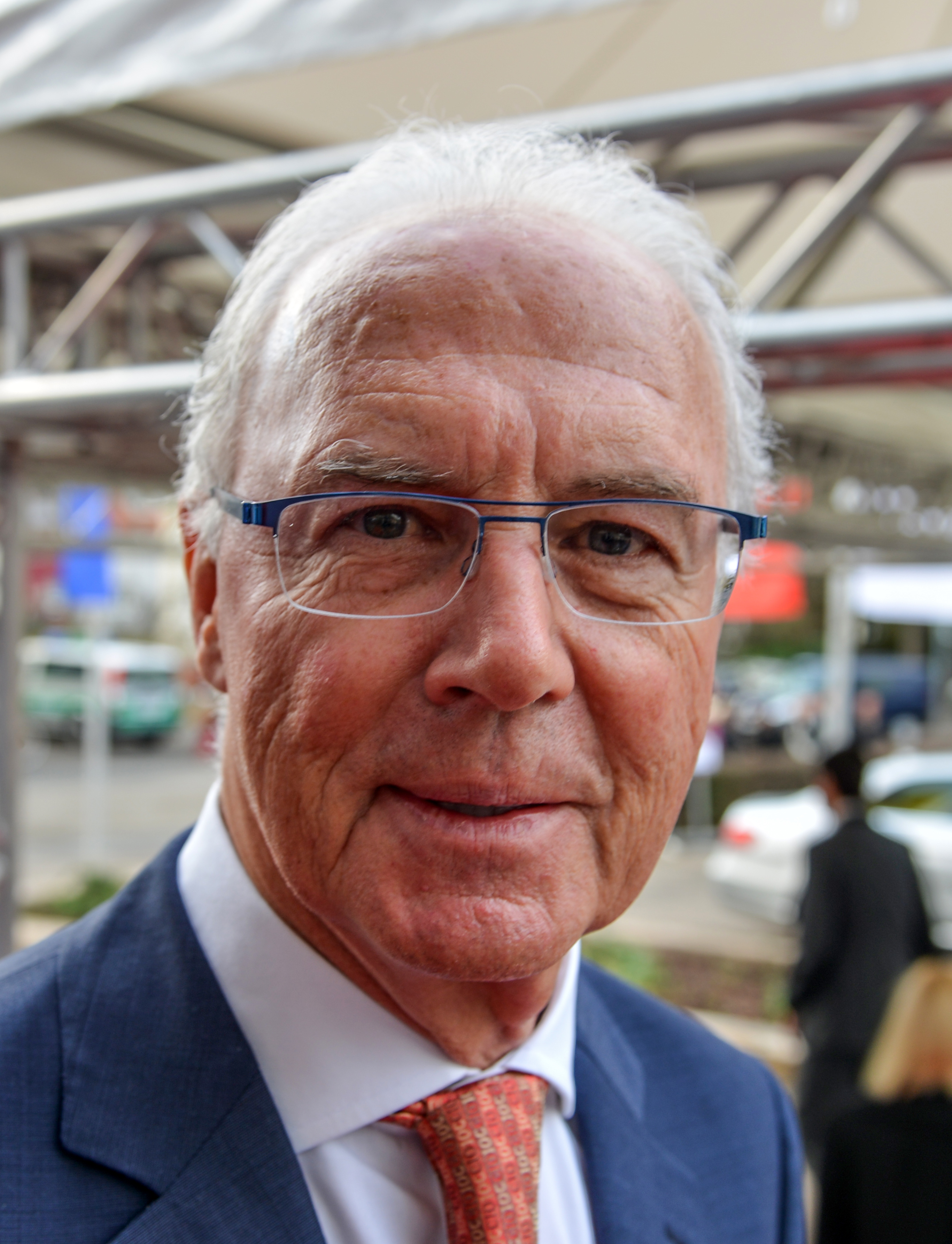 The 73-year old son of father Franz and mother Antonie Franz Beckenbauer in 2018 photo. Franz Beckenbauer earned a  million dollar salary - leaving the net worth at 275 million in 2018