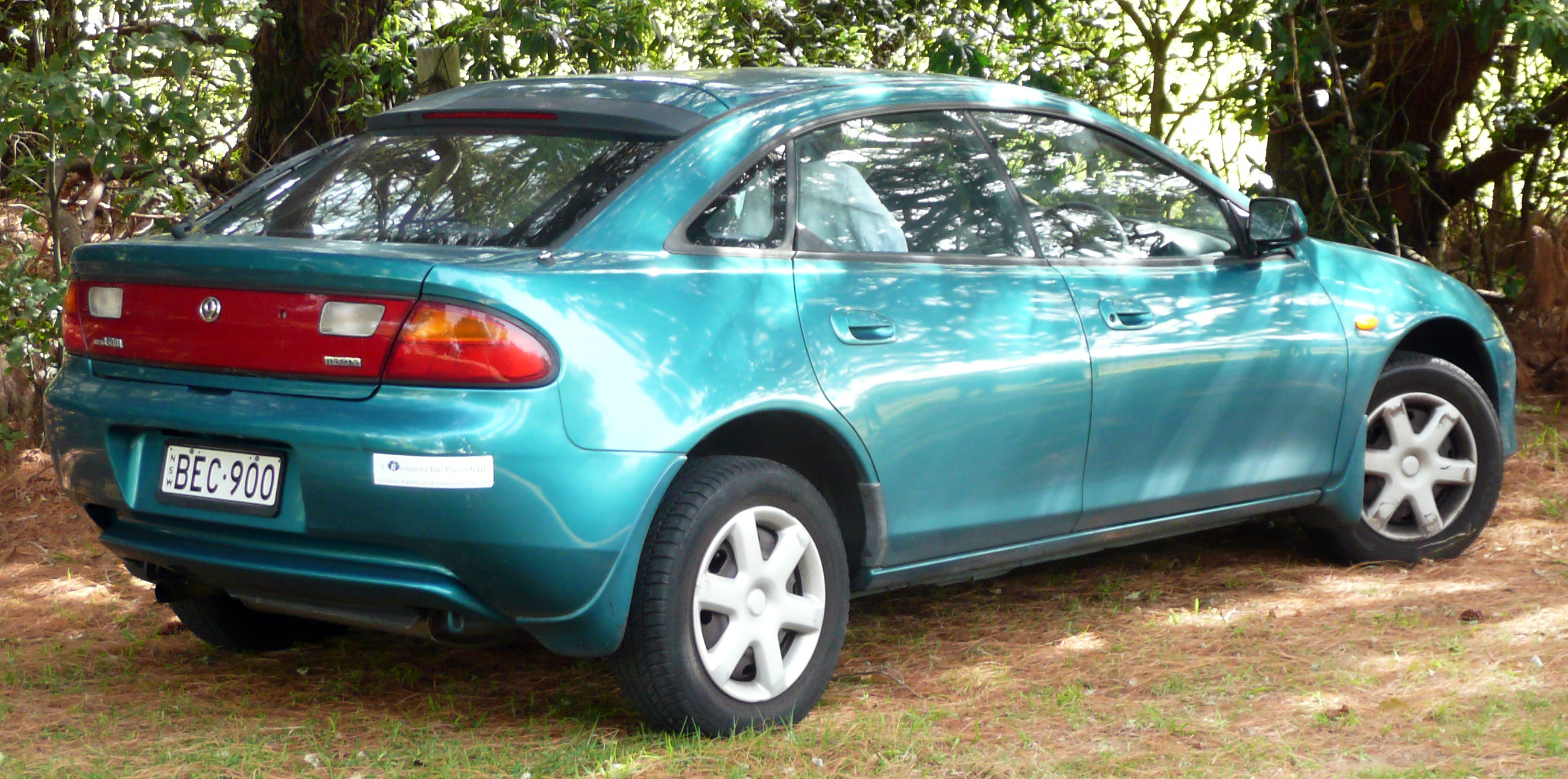 File:1997 Mazda 323 (BA Series 3) Astina 5-door hatchback 01