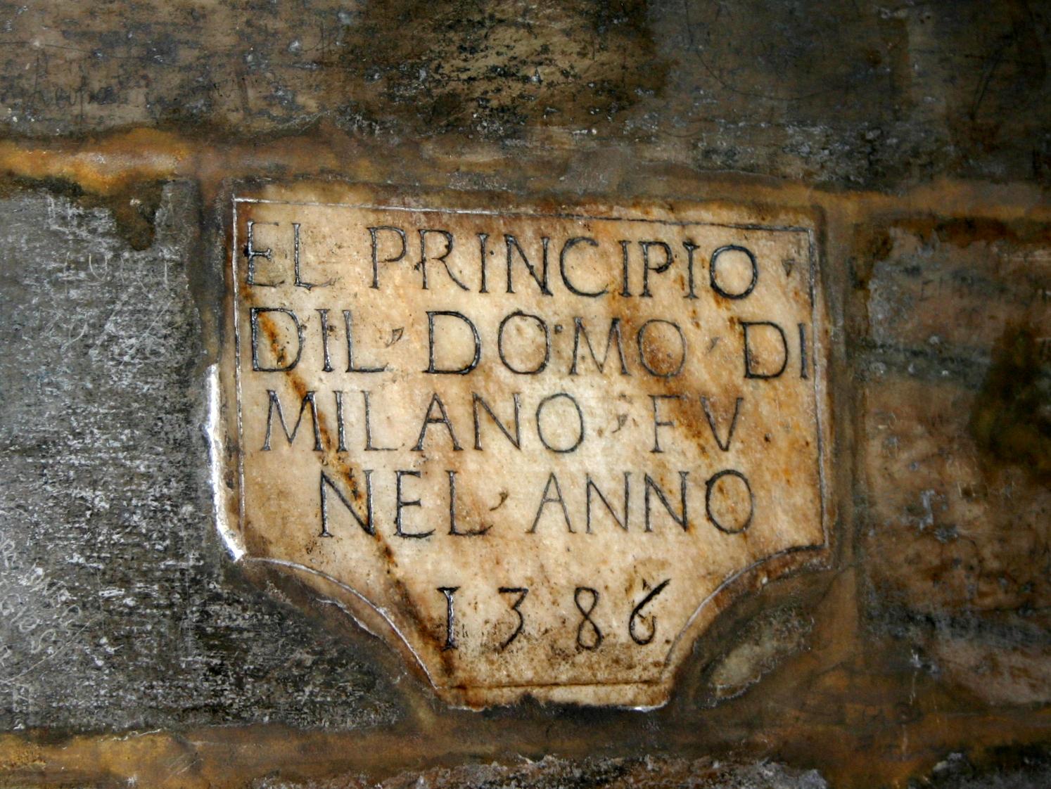 suite de chiffres - Page 17 3302_-_Milano,_Duomo_-_Lapide_1386_-_Foto_Giovanni_Dall%27Orto,_6-Dec-2007