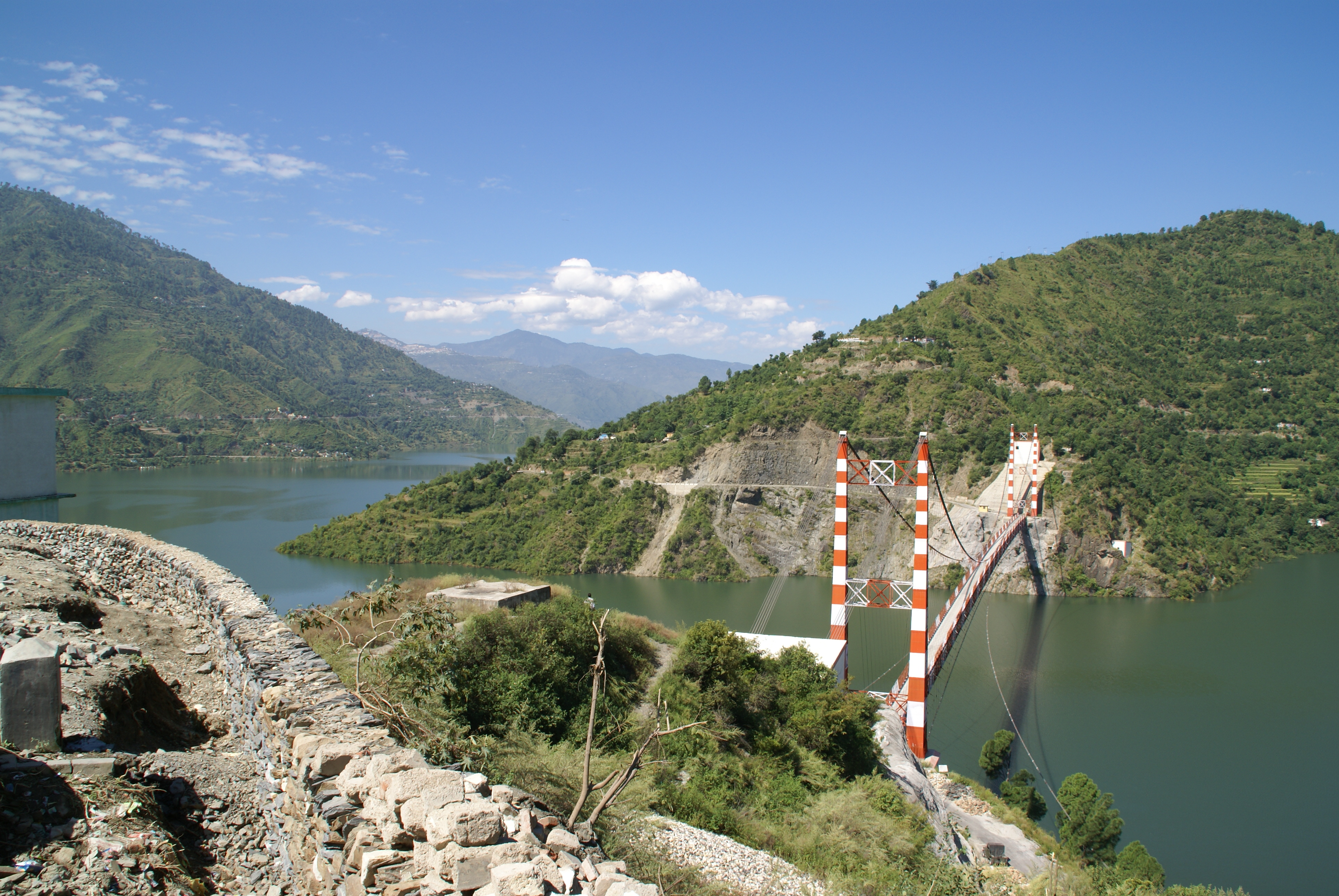 the history of the tehri dam History of tehri dam project in the year 1949, the uttar pradesh government first planned to build a dam at this place this place was examined under the project till 1961.