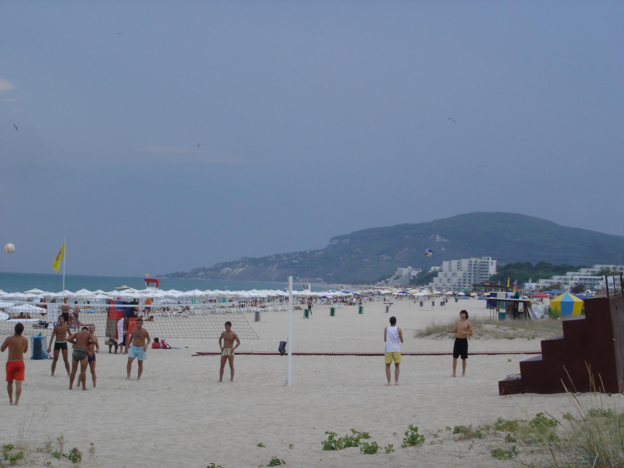 Спортна треска на плажа