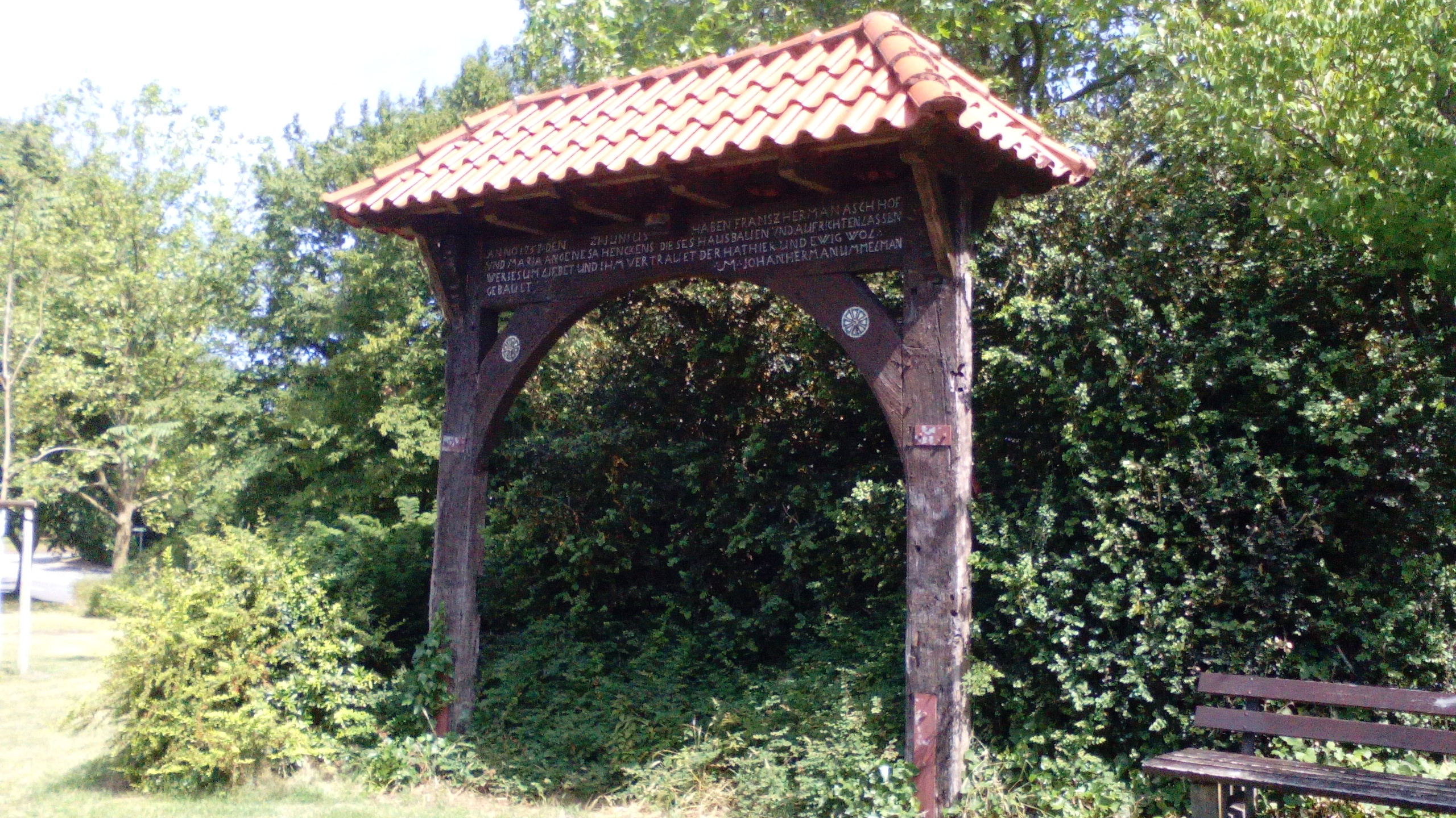 File:Alter Torbogen Bielefeld-Brackwede.jpg - Wikimedia Commons