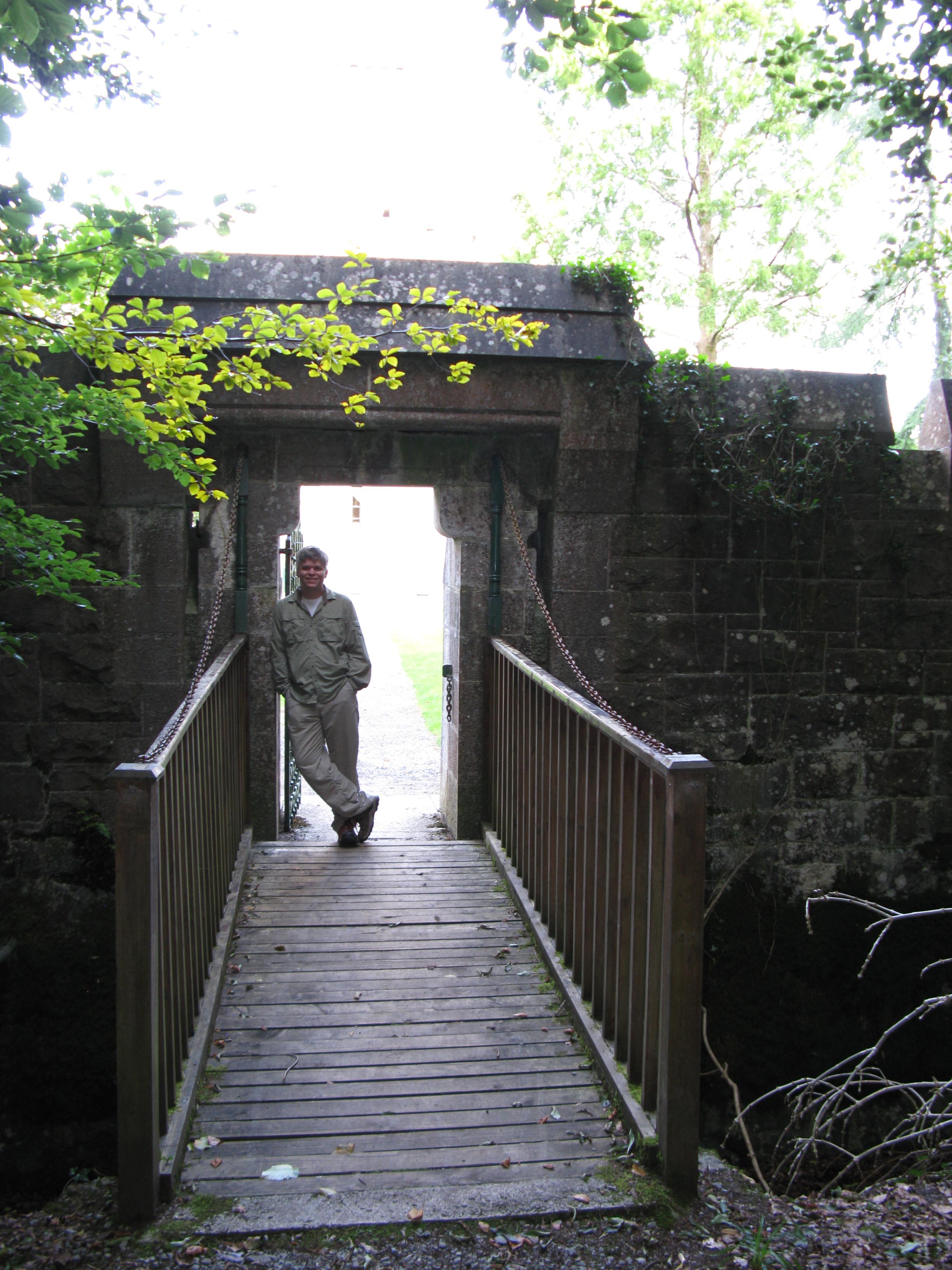 File Ashford Castle Drawbridge Jpg Wikimedia Commons