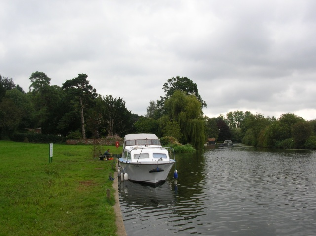 Boat at Coltishall - geograph.org.uk - 561962