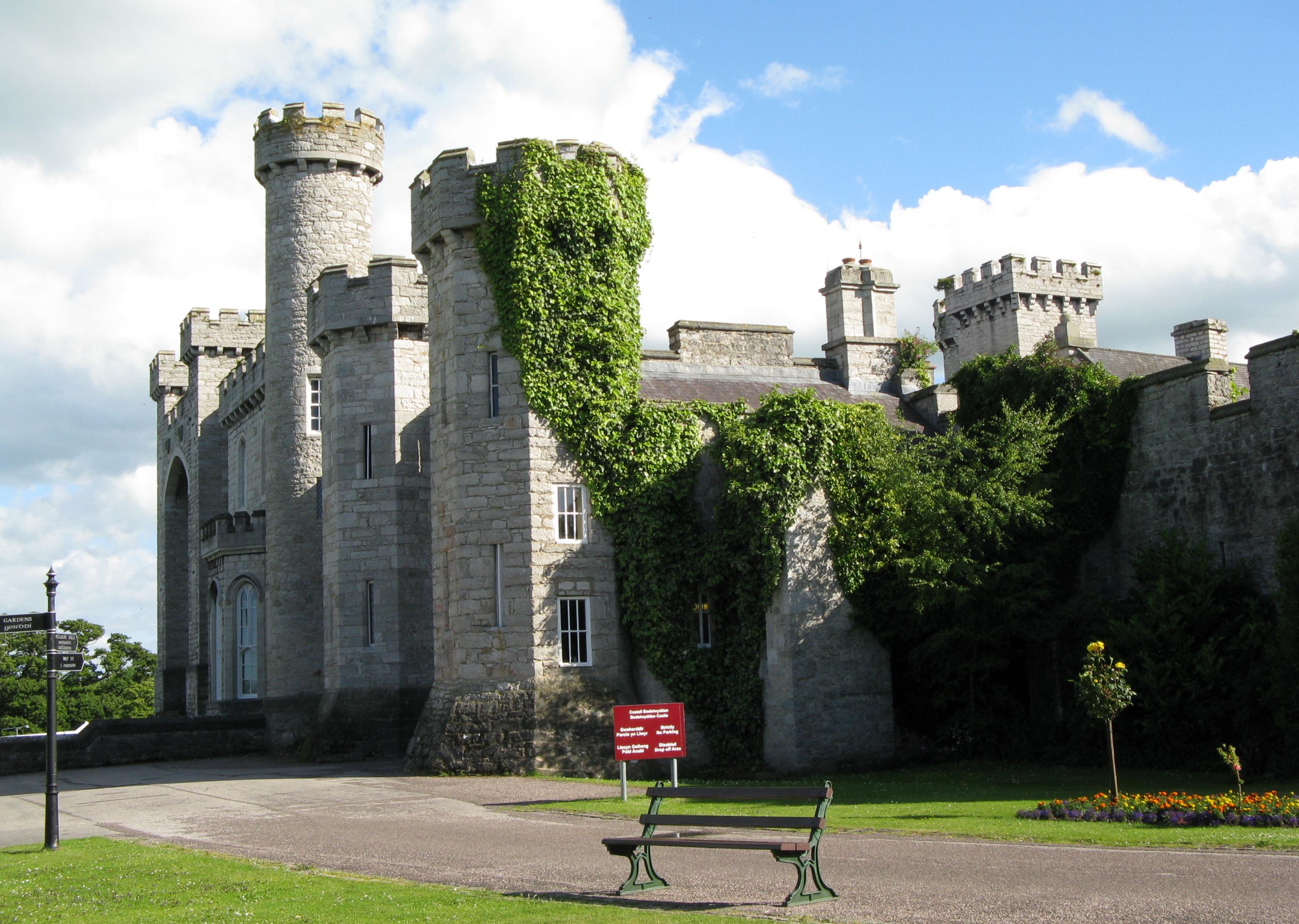 Bodelwyddan Castle - Wikipedia
