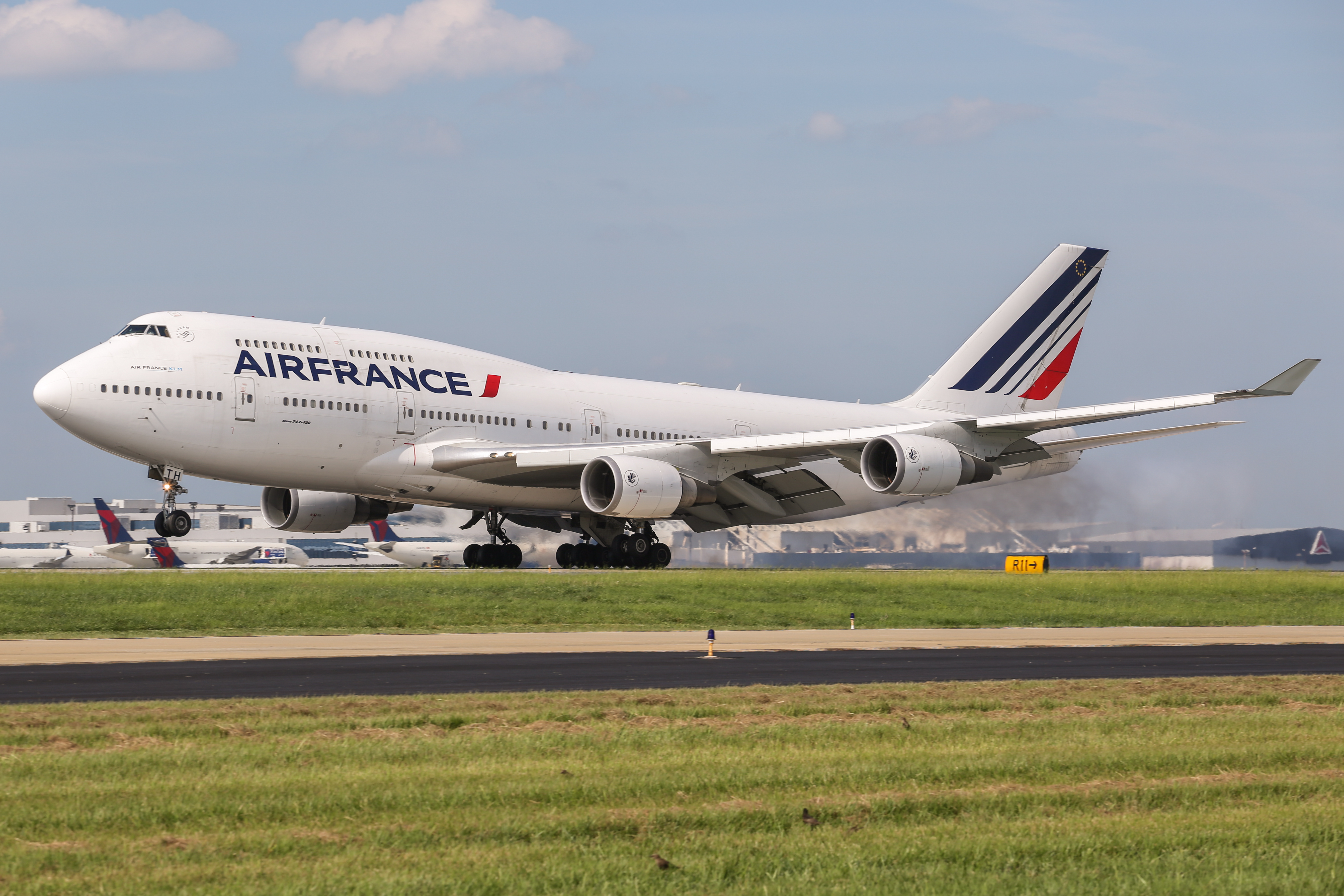 File boeing 747 air france atlanta wikimedia for Interieur d avion air france