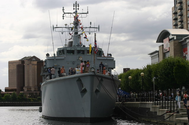 File:British Minesweeper H.M.S Middleton visits Salford Quays and Lowry - geograph.org.uk - 290512.jpg