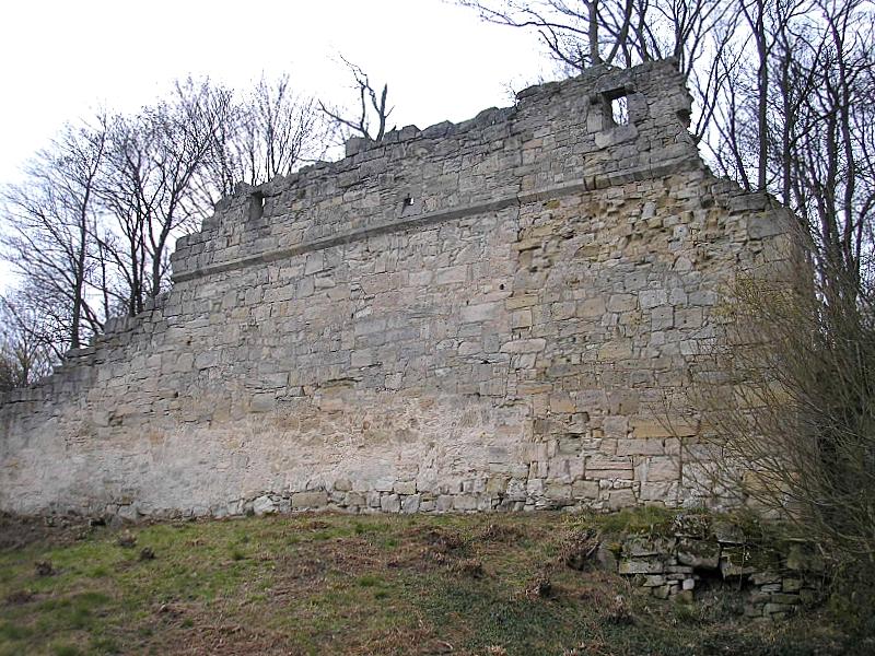 http://upload.wikimedia.org/wikipedia/commons/2/2e/Burg_Schmachtenberg_6.jpg