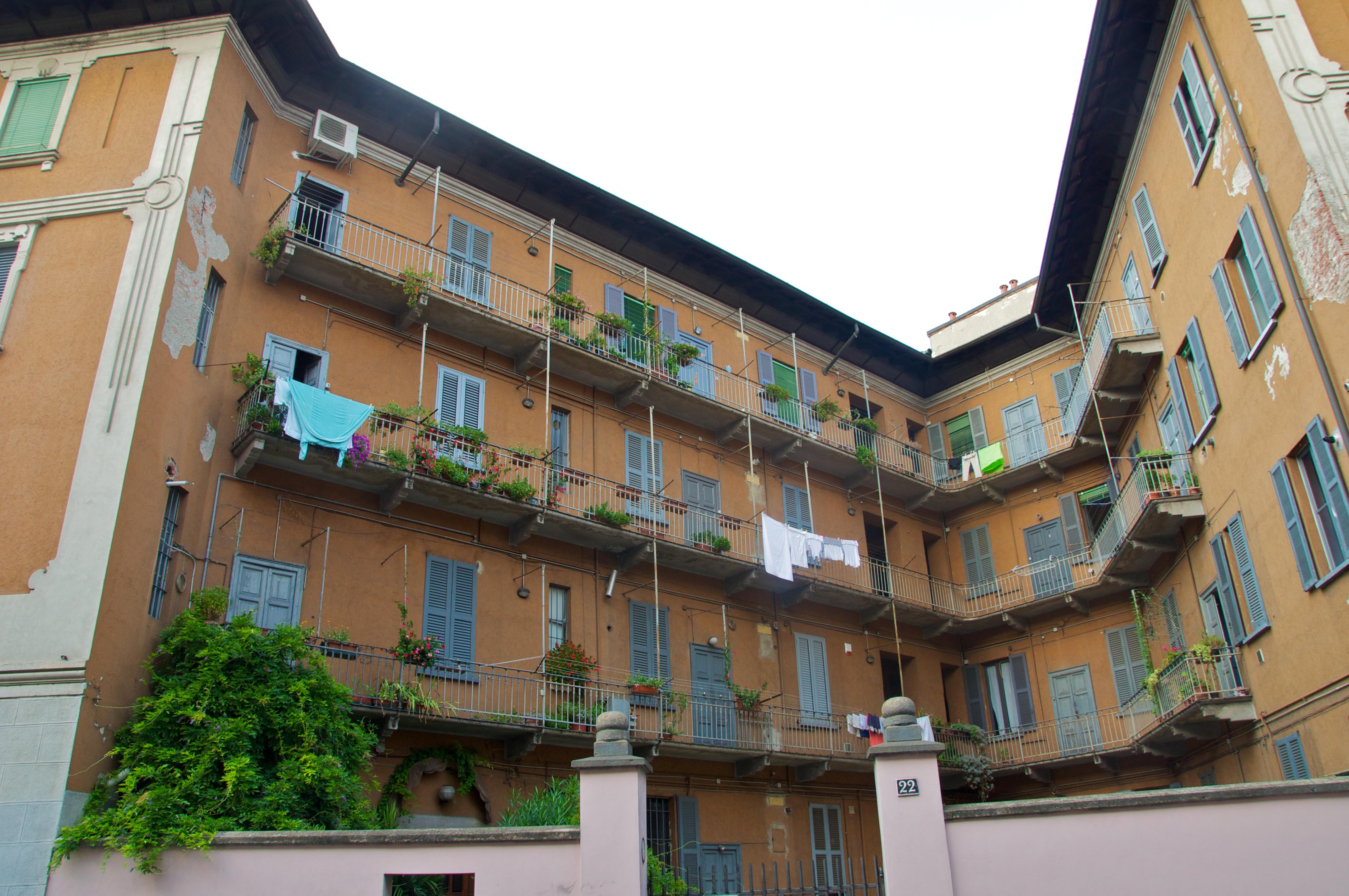Captivating Case Di Ringhiera