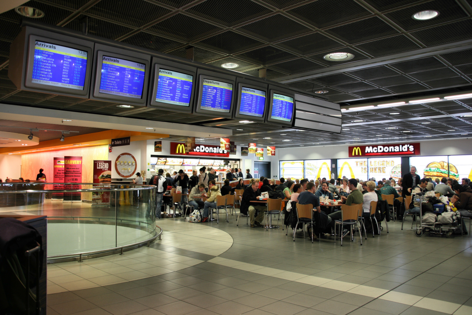 How To Work At An Airport Fast Food Restaurant