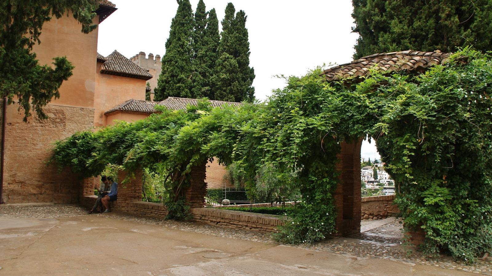 File el partal y jardines la alhambra de granada 02 jpg for Jardines de gomerez granada