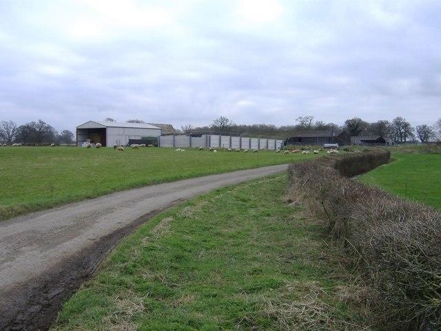 File:Fatting barn - geograph.org.uk - 326843.jpg