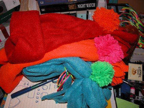 Fleece-mössor är gjorda av polyester.