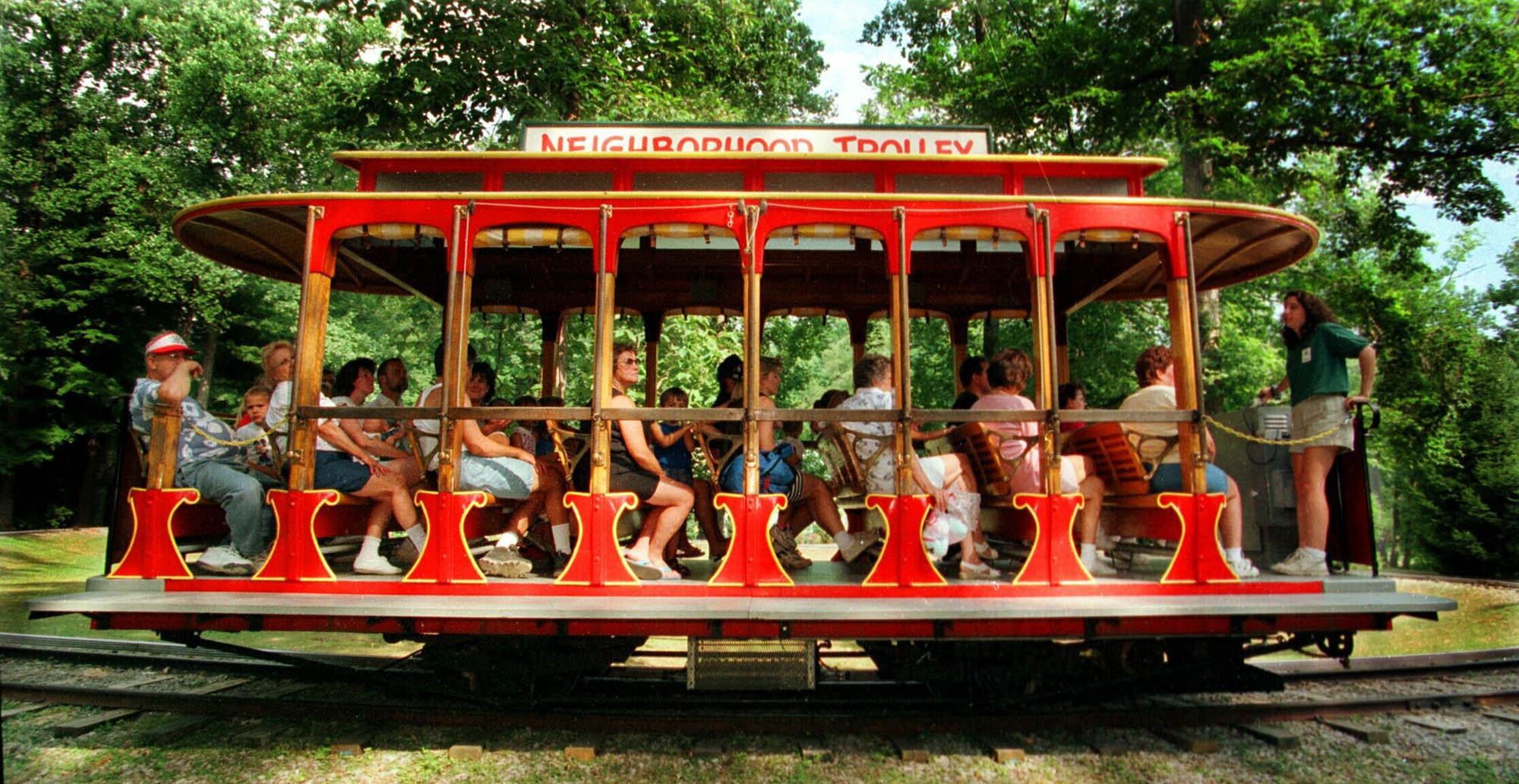 File:IDLEWILD MR ROGERS TROLLEY WIDE 200 6 00 8 - panoramio