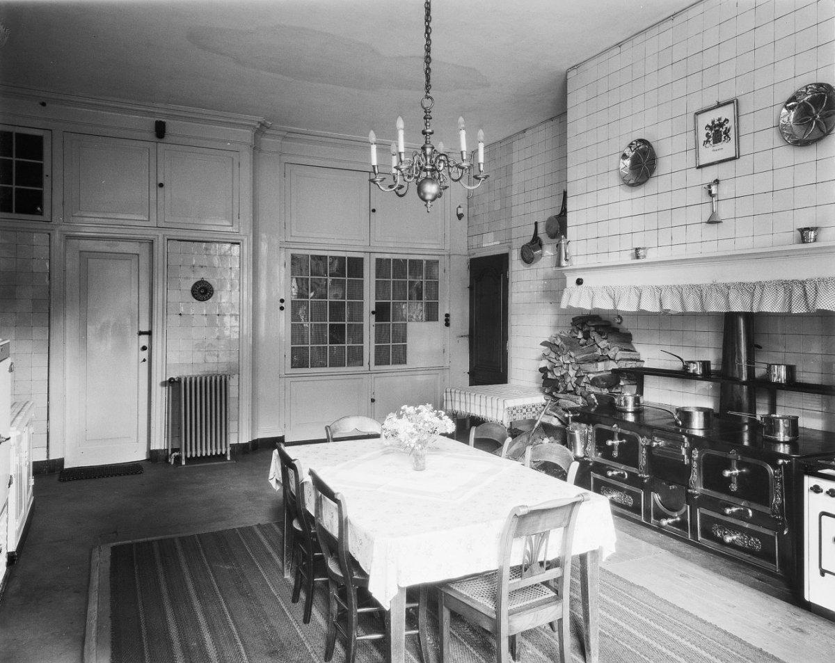 File interieur keuken fornuis met betegelde schouw for Interieur 605