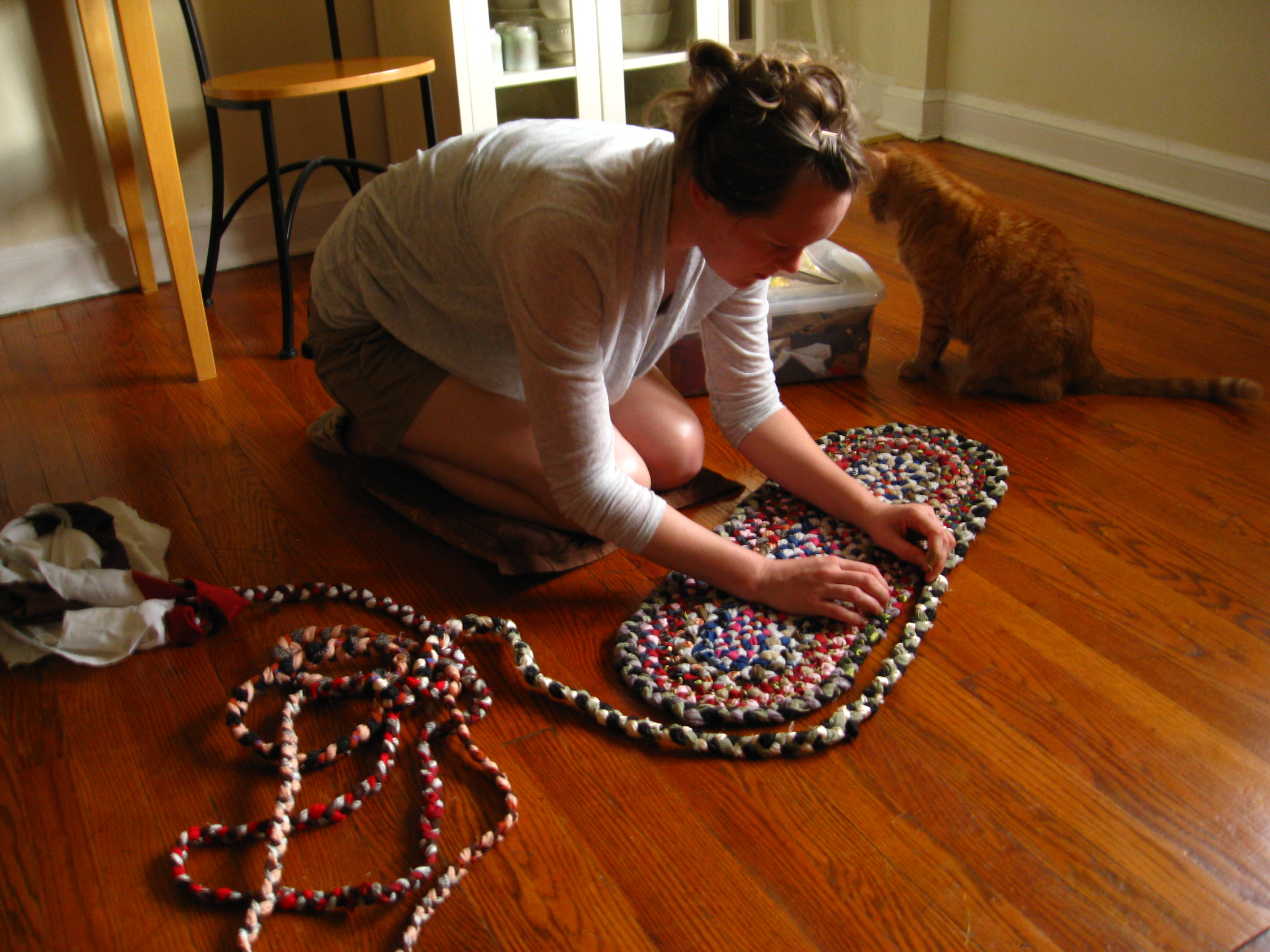 File:Making A Braided Rug.jpg - Wikimedia Commons