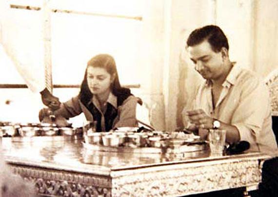 Man Singh II and his Queen Gayatri Devi - Royal Wedding Fashion