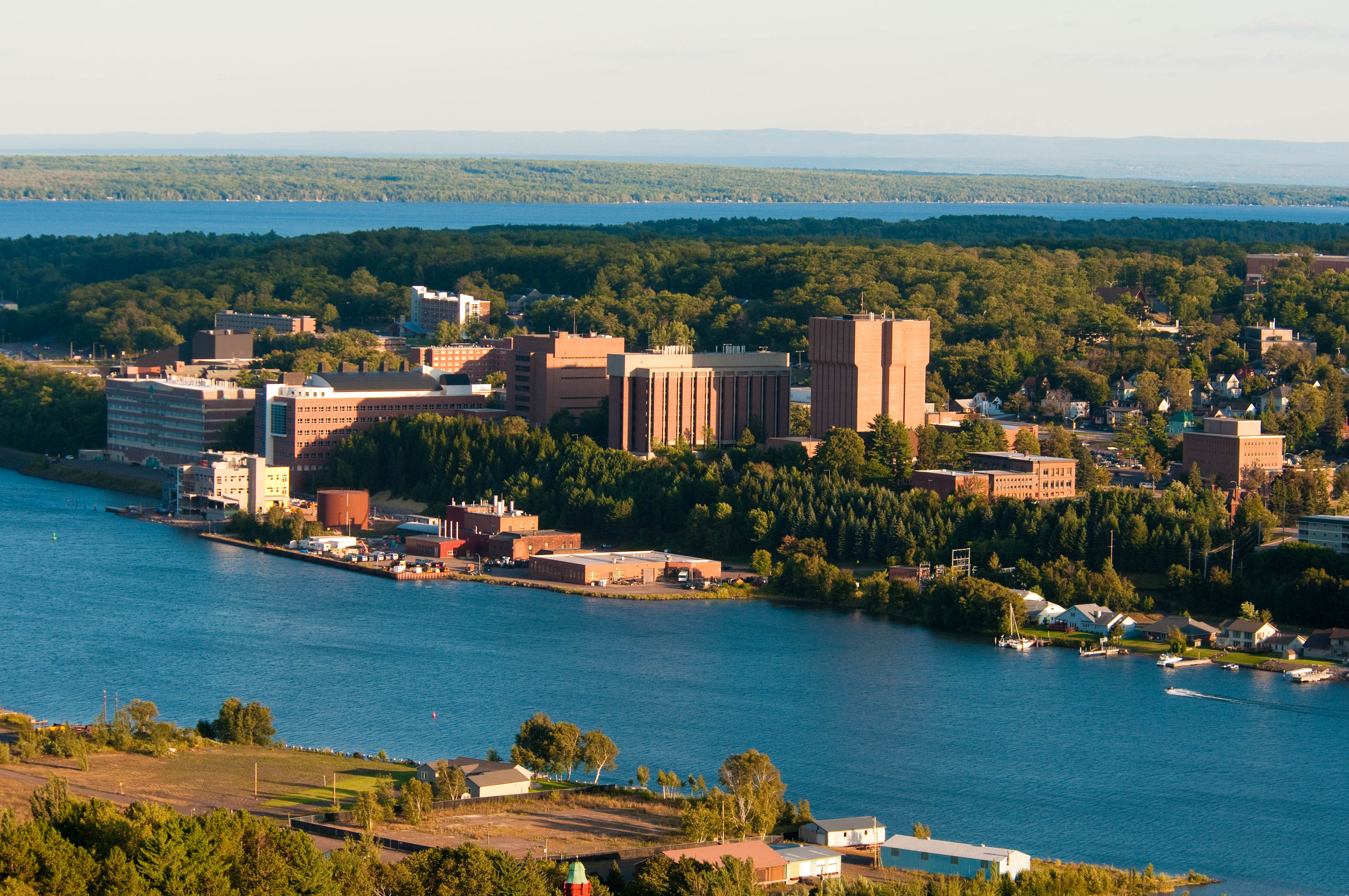 File:Michigan Tech campus 2011.jpg - Wikimedia Commons