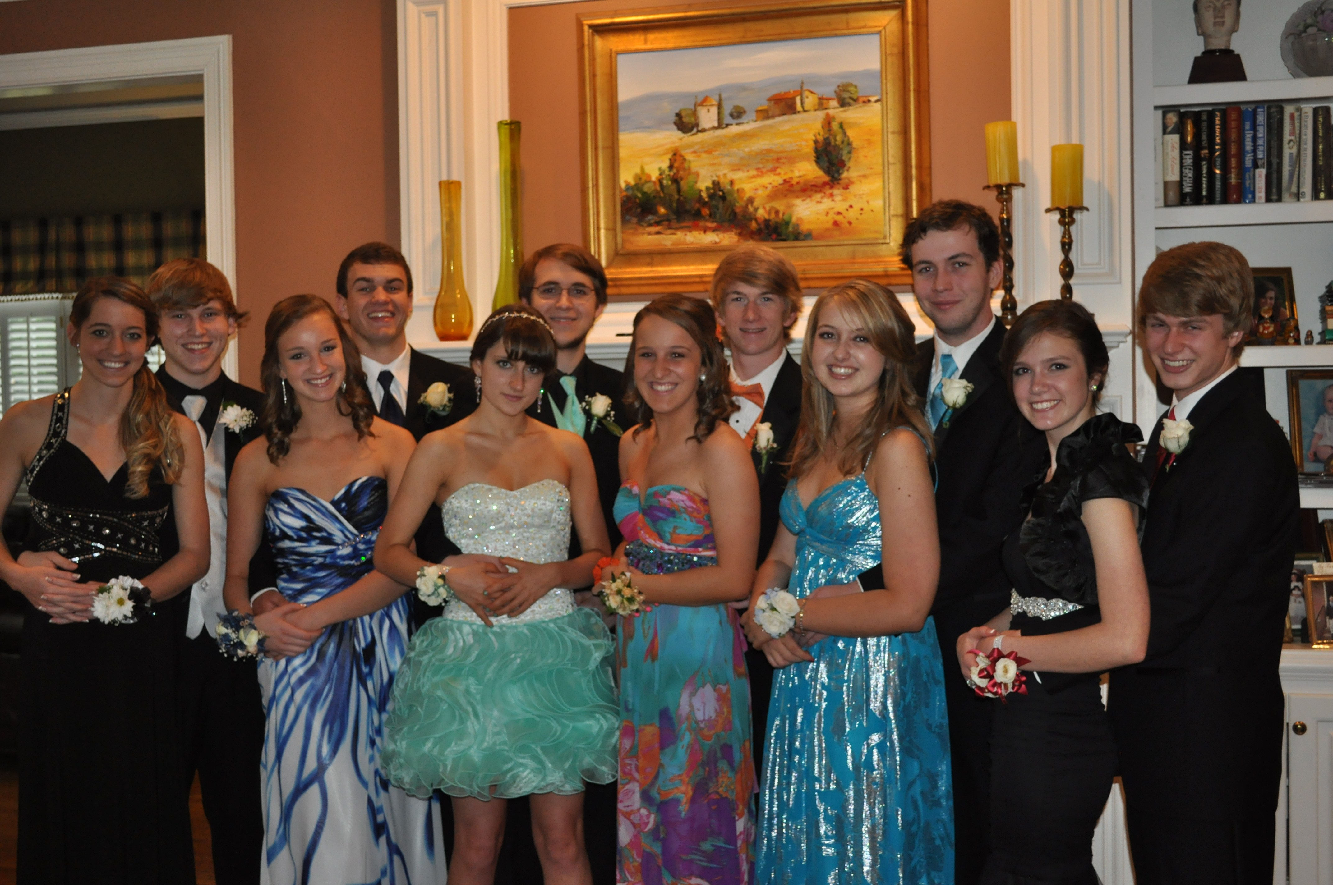 file modern day pre prom seniors apr 2012 jpg wikimedia commons