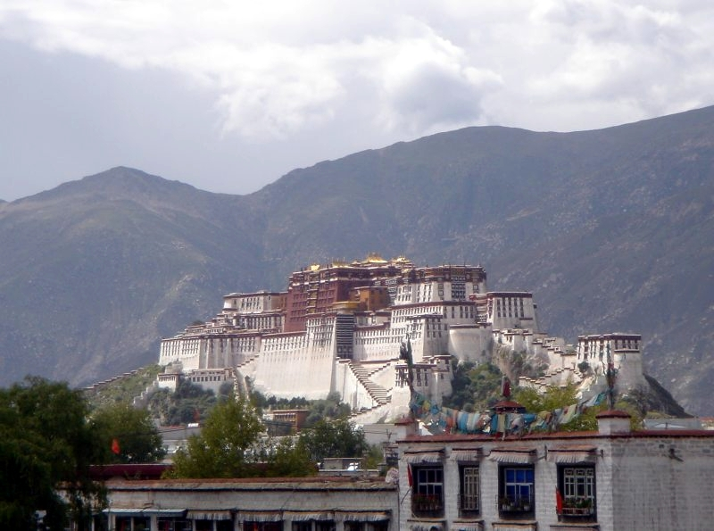 external image Potala_from_SW.jpg