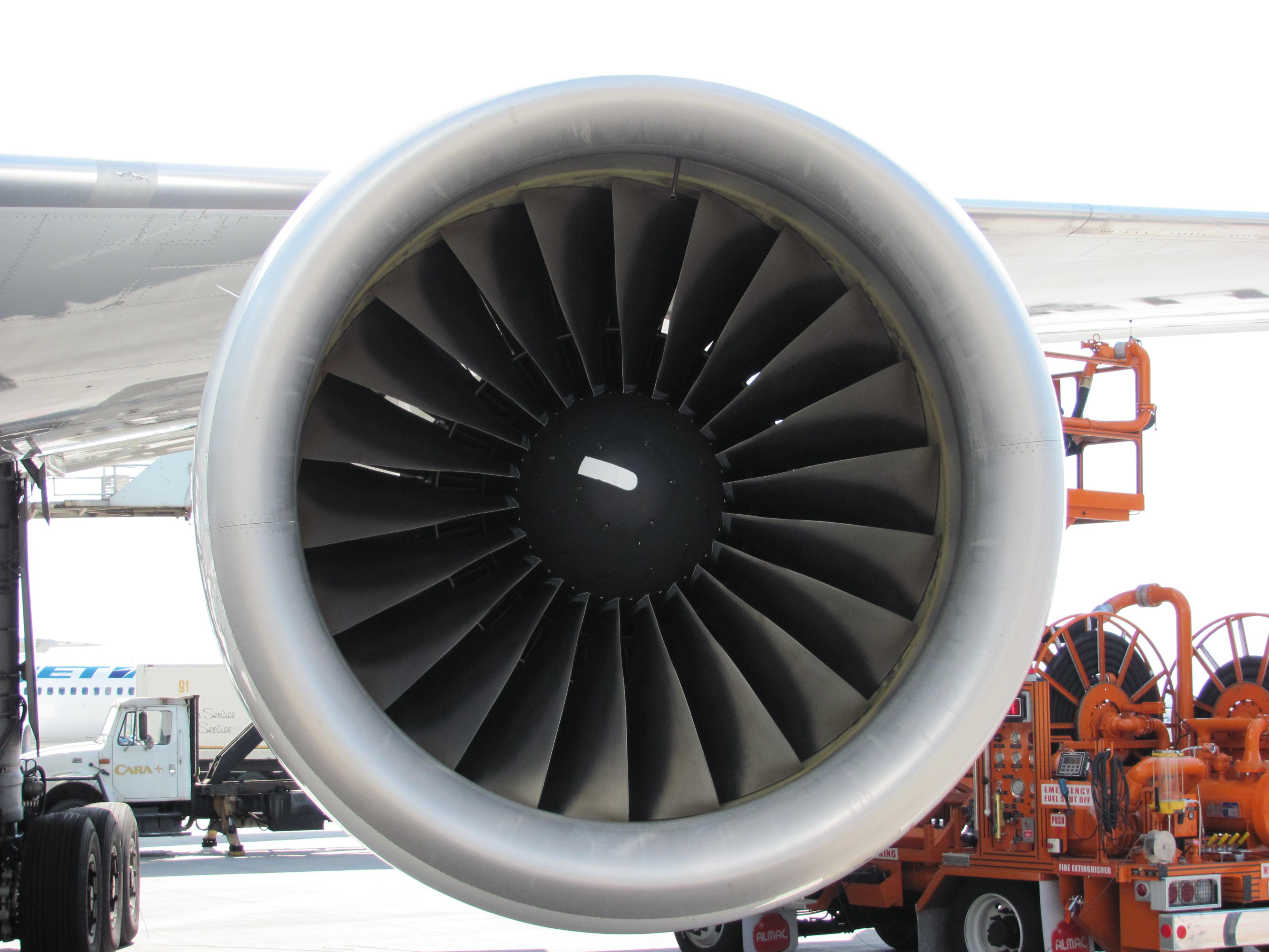 File:Pratt & Whitney PW4000 (4836578201).jpg