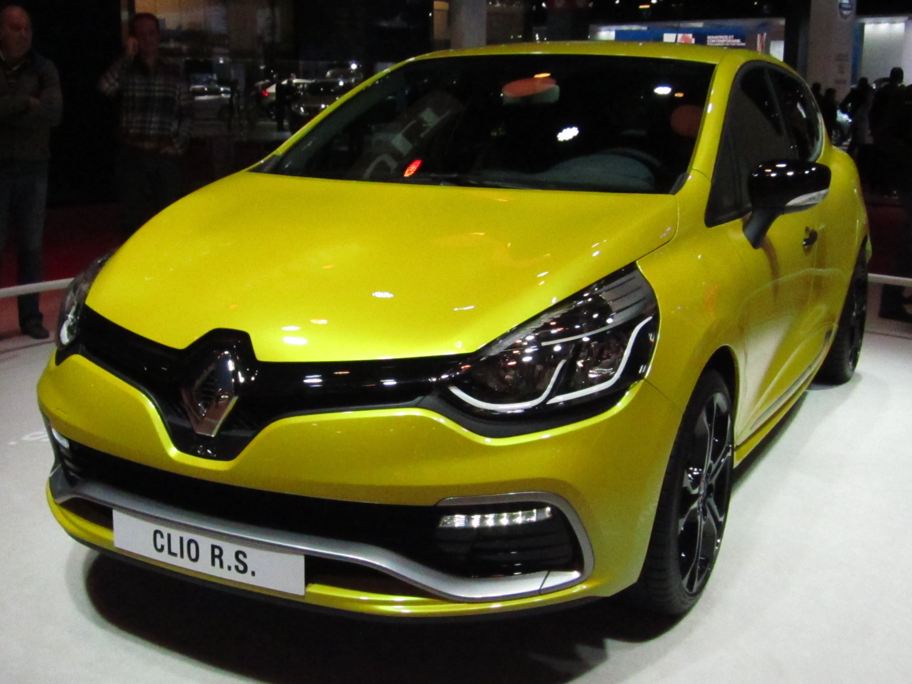 renault clio 4 rs the image kid has it. Black Bedroom Furniture Sets. Home Design Ideas