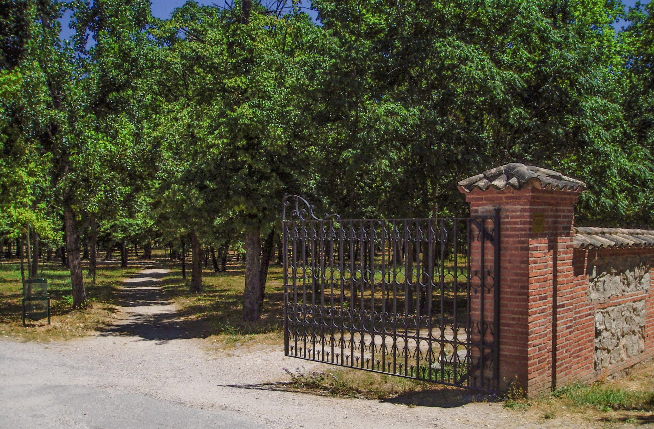File reservado grande casa de campo madrid espa - Casas de campo madrid ...