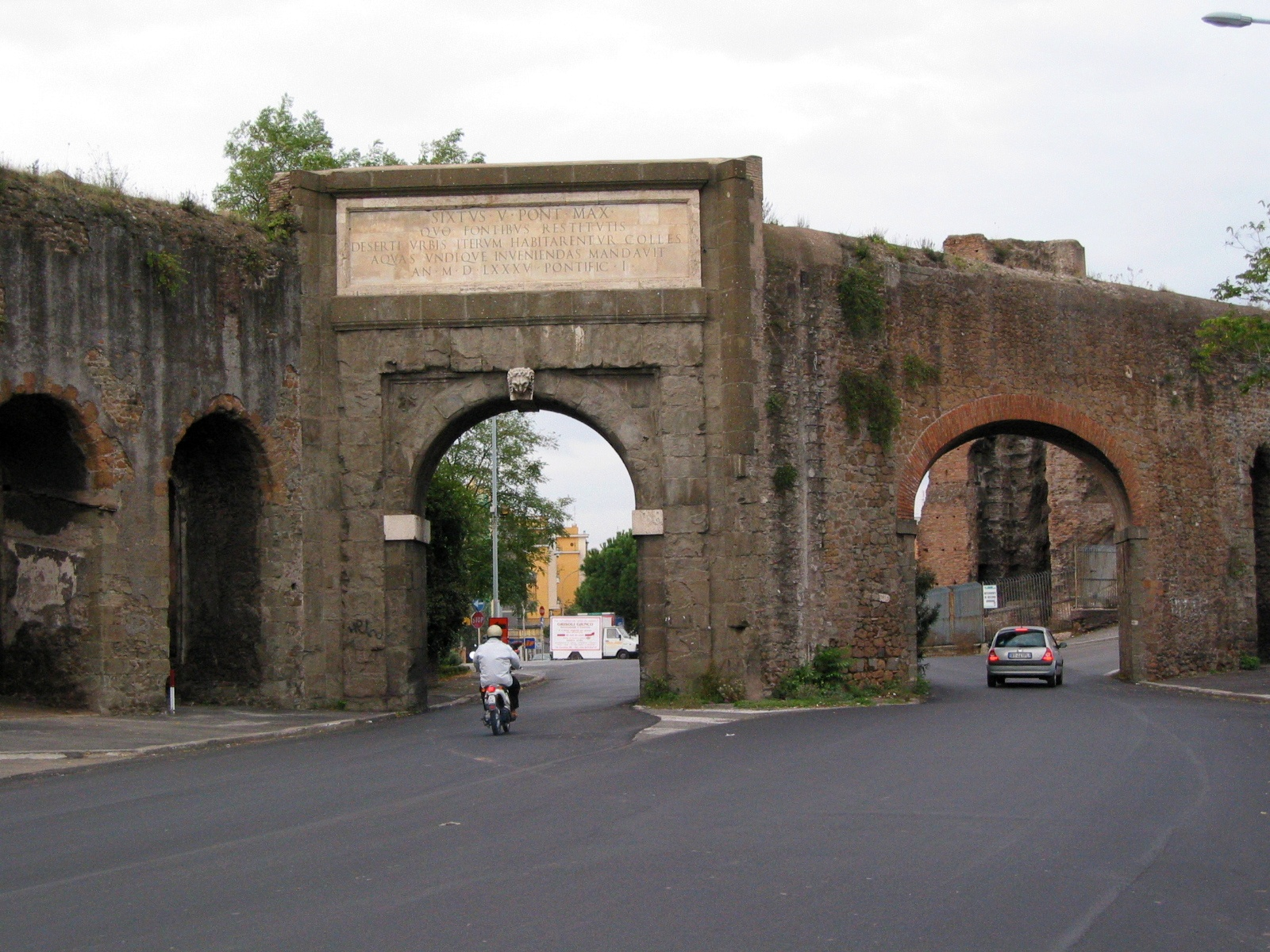 File roma porta furba gs img wikimedia commons - Palestra porta furba ...