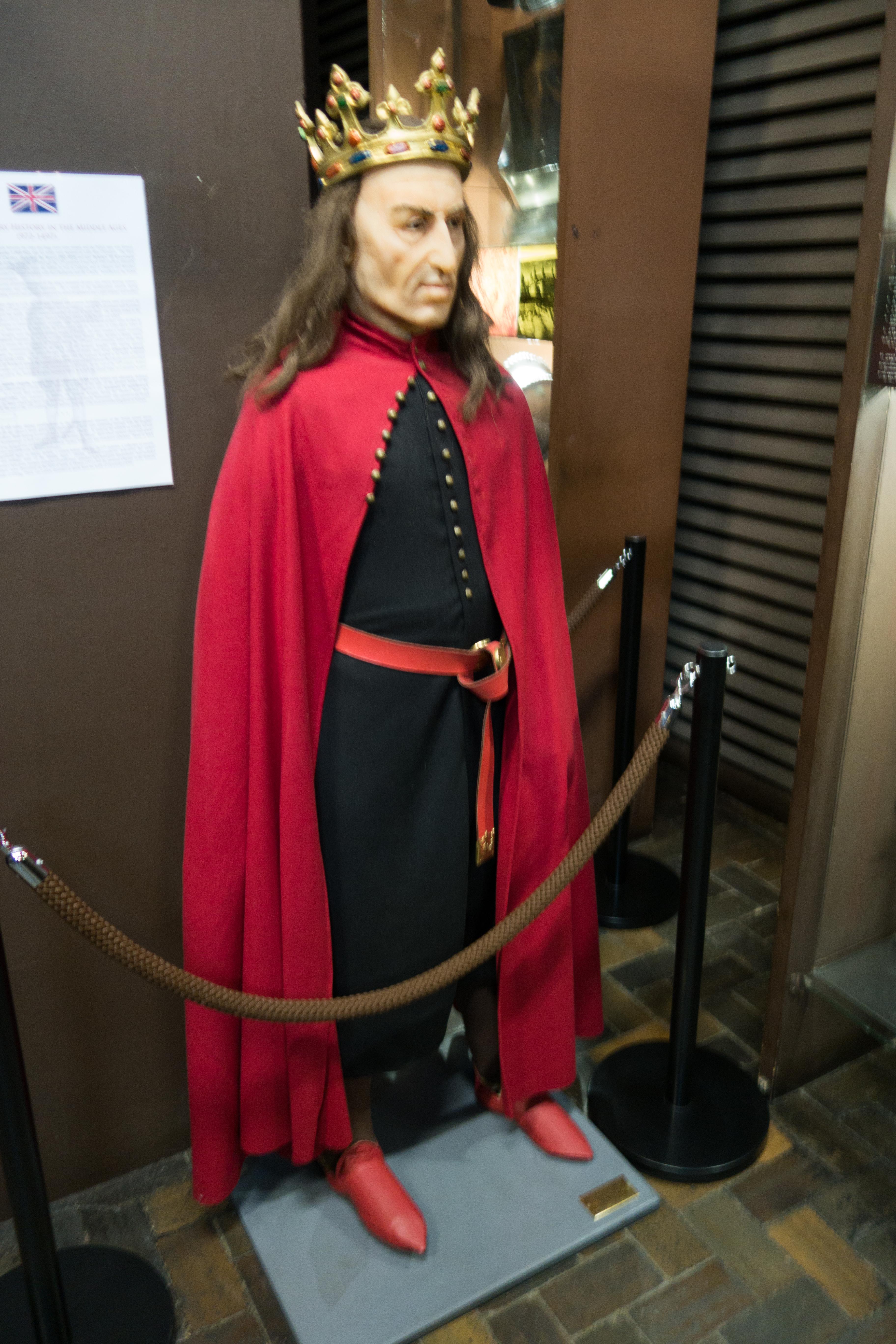 File Royal Robes 28649770503 Jpg Wikimedia Commons