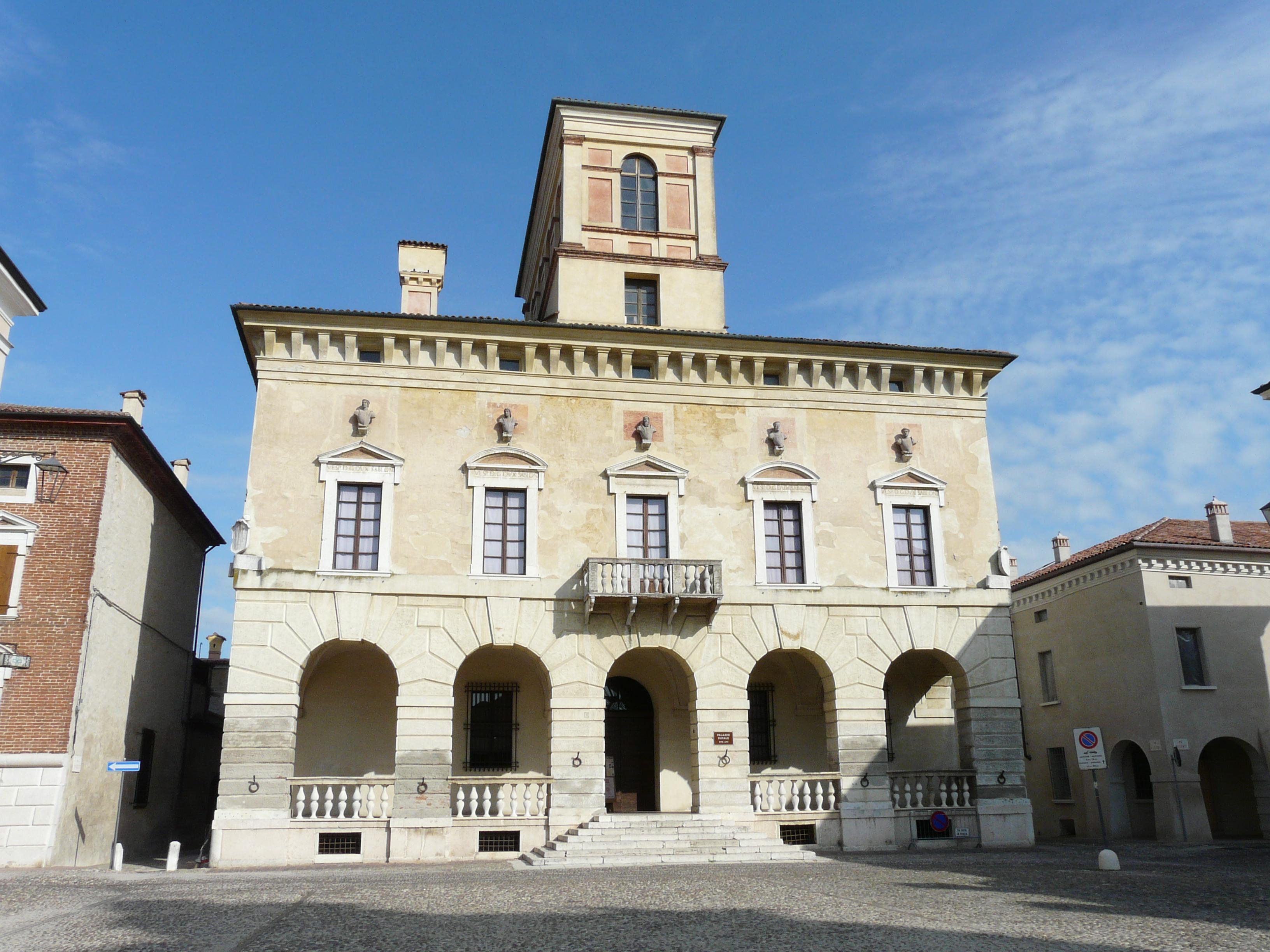 File:Sabbioneta-palazzo ducale2.jpg - Wikipedia
