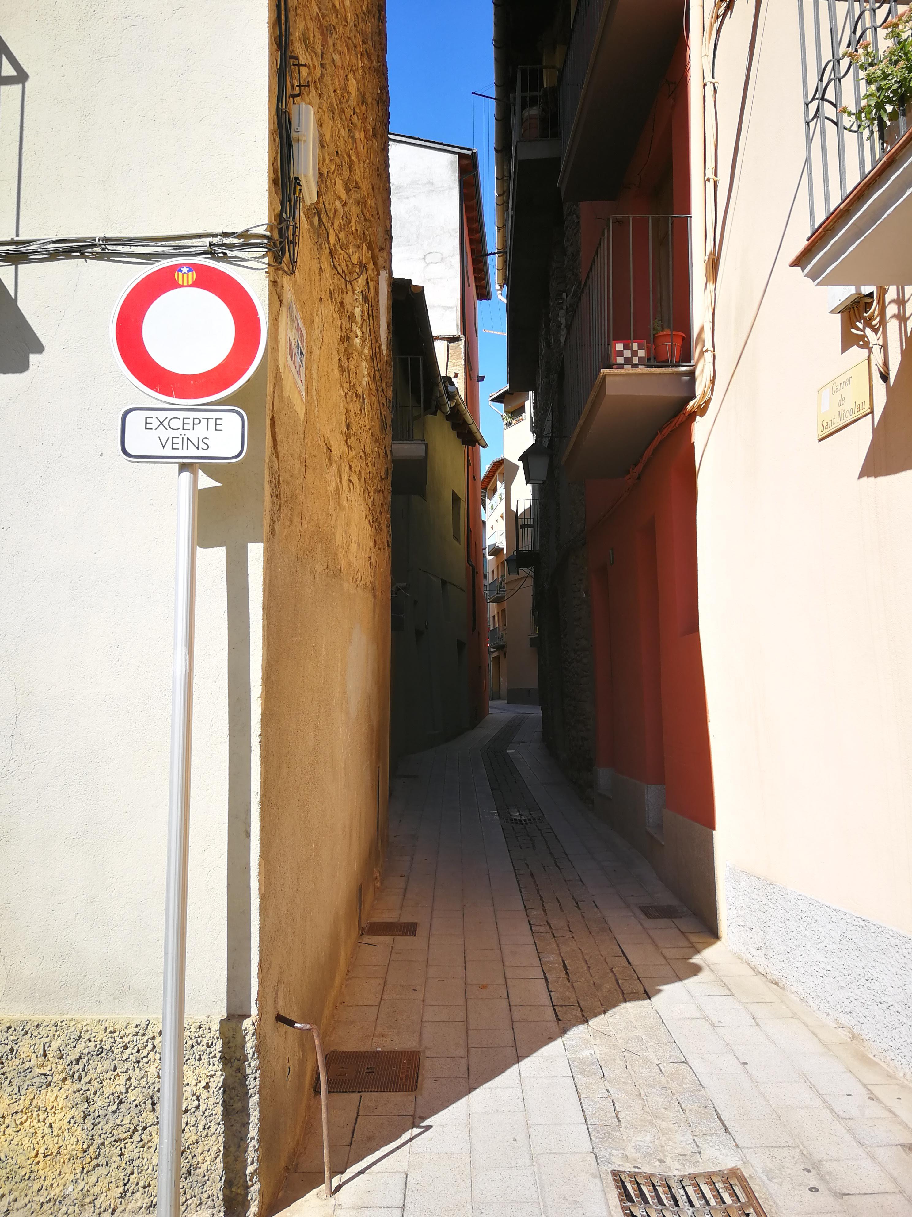 English Seo de Urgel, a Spanish city in the province of Lleida. Spanish Seo de Urgel, ciudad española en la provincia de Lérida. Simplified Chinese Seo de