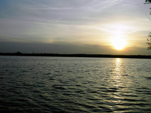 Sun Setting Over The Lake At Marston Vale CP - geograph.org.uk - 404131