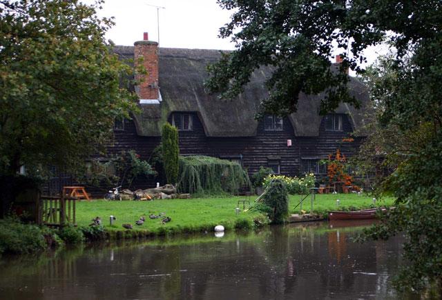 The Granary Barn, Flatford Mill - geograph.org.uk - 1196