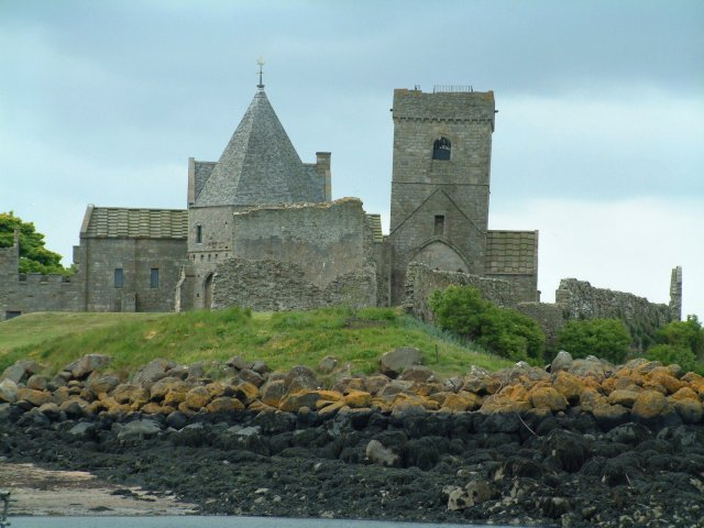 File:The abbey on Inchcolm - geograph.org.uk - 1162424.jpg
