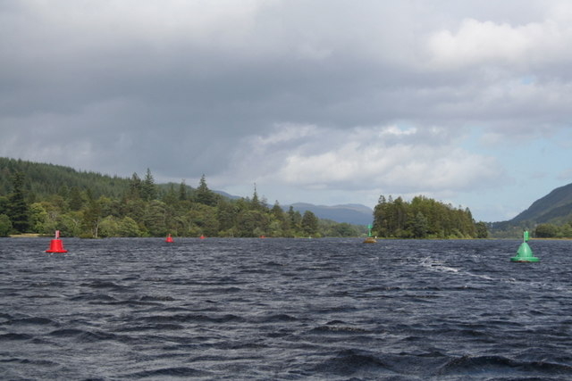 The buoyed channel through Loch Oich - geograph.org.uk - 1456111