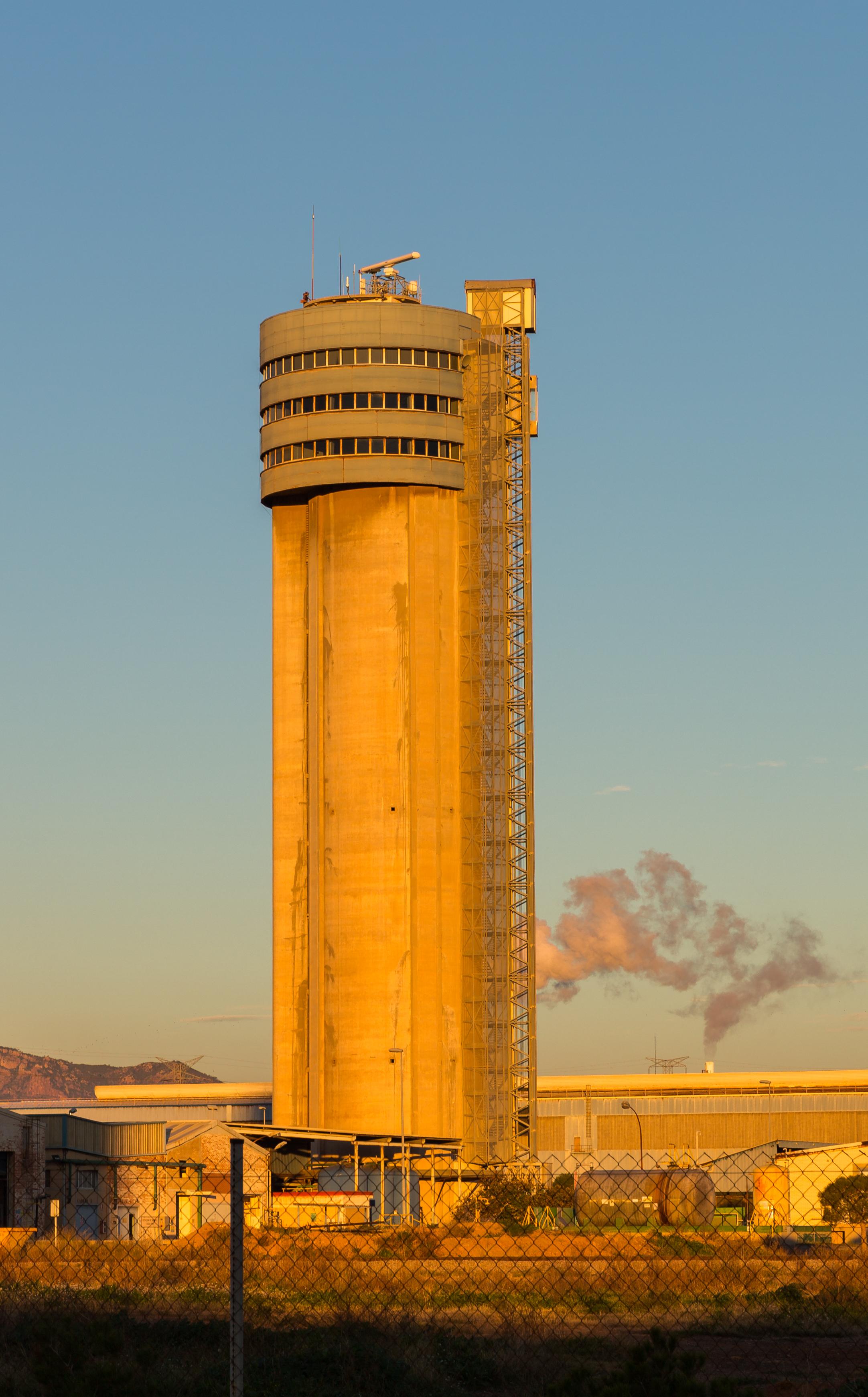 File torre de la estaci n depuradora puerto de sagunto espa a 2015 01 04 dd 89 jpg - Tanatorio puerto de sagunto ...