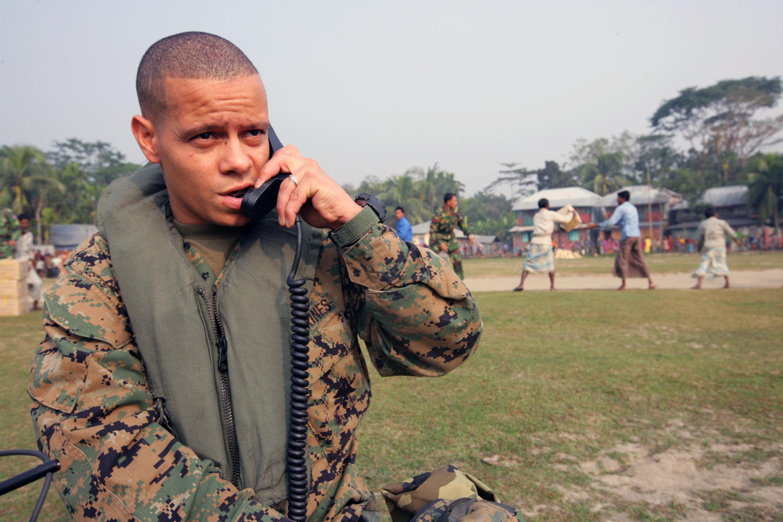File:US Navy 071204-M-1226J-018 A Marine Radio Operator
