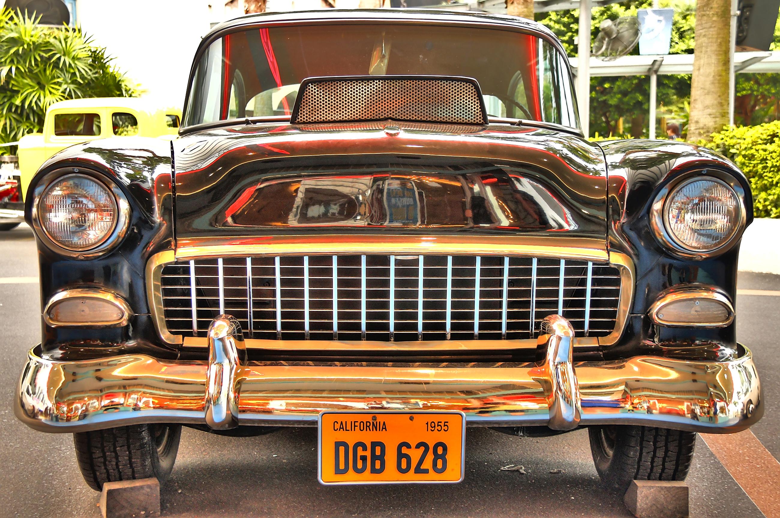 File:Vintage car, Universal Studios Singapore - 20120914-01.jpg ...