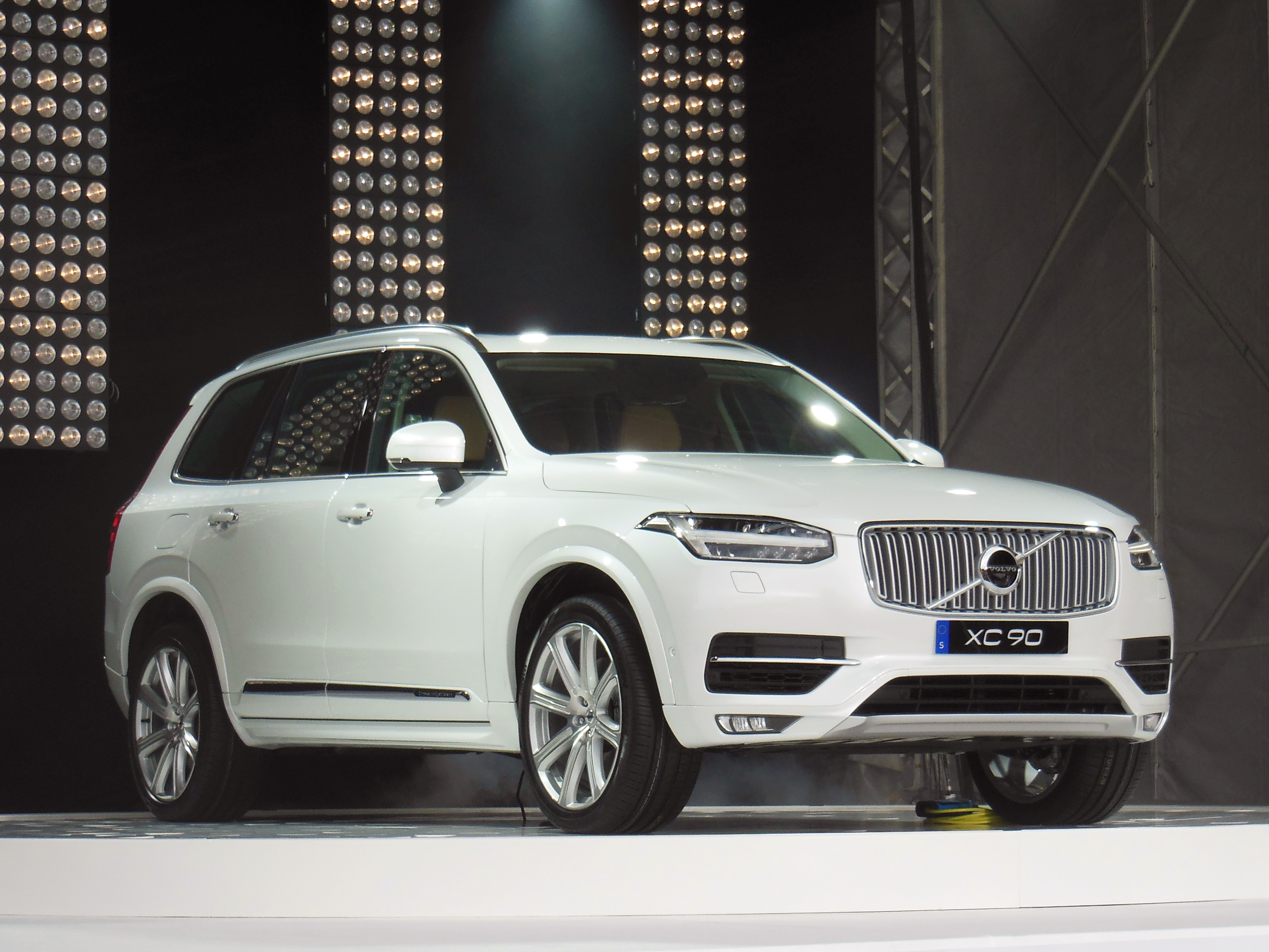 Xc >> File:Volvo XC90 II, August 2014, 01.jpg - Wikimedia Commons