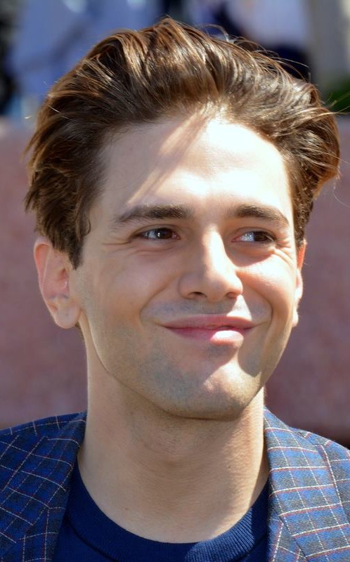 The 31-year old son of father (?) and mother(?) Xavier Dolan in 2020 photo. Xavier Dolan earned a 0.3 million dollar salary - leaving the net worth at 1 million in 2020