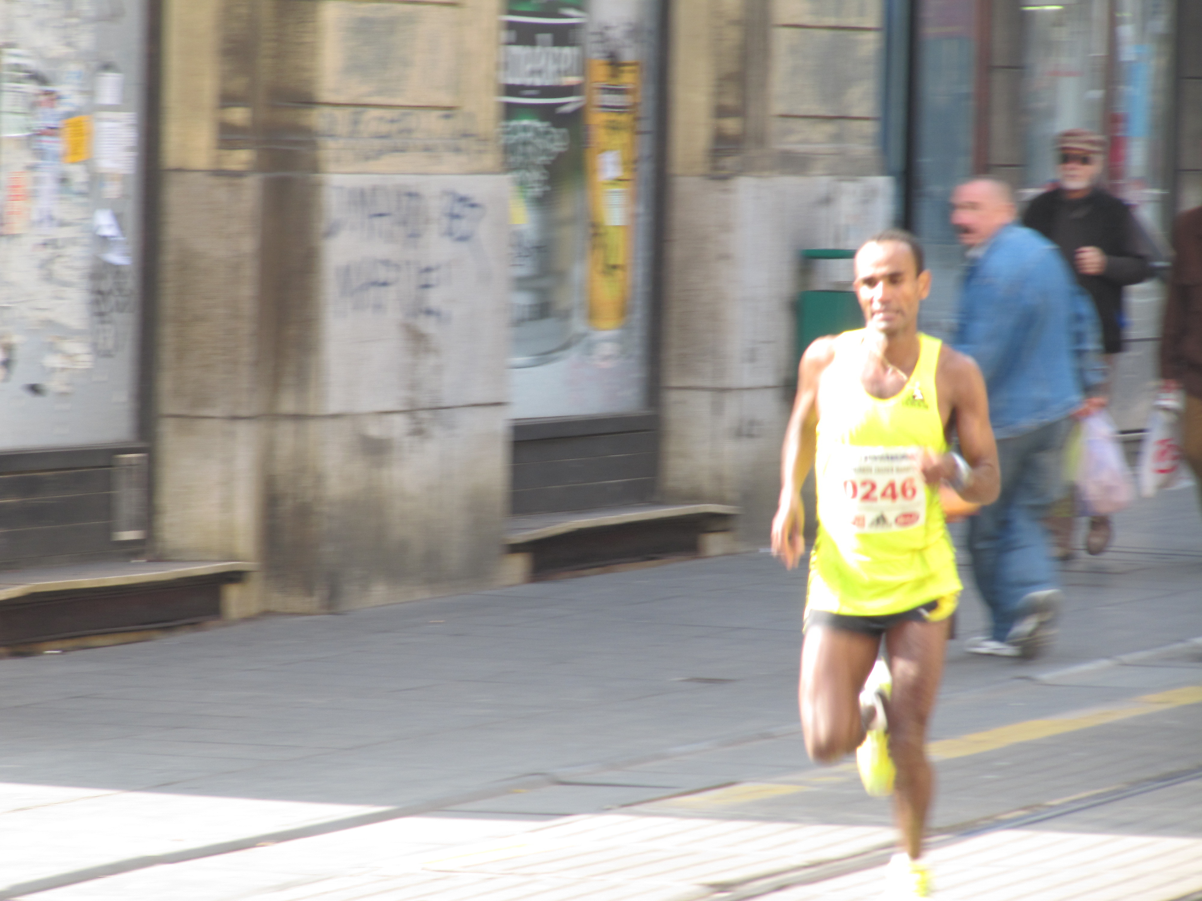 File:Zagreb Marathon Erkolo Ashenafi 20101010 2218.JPG