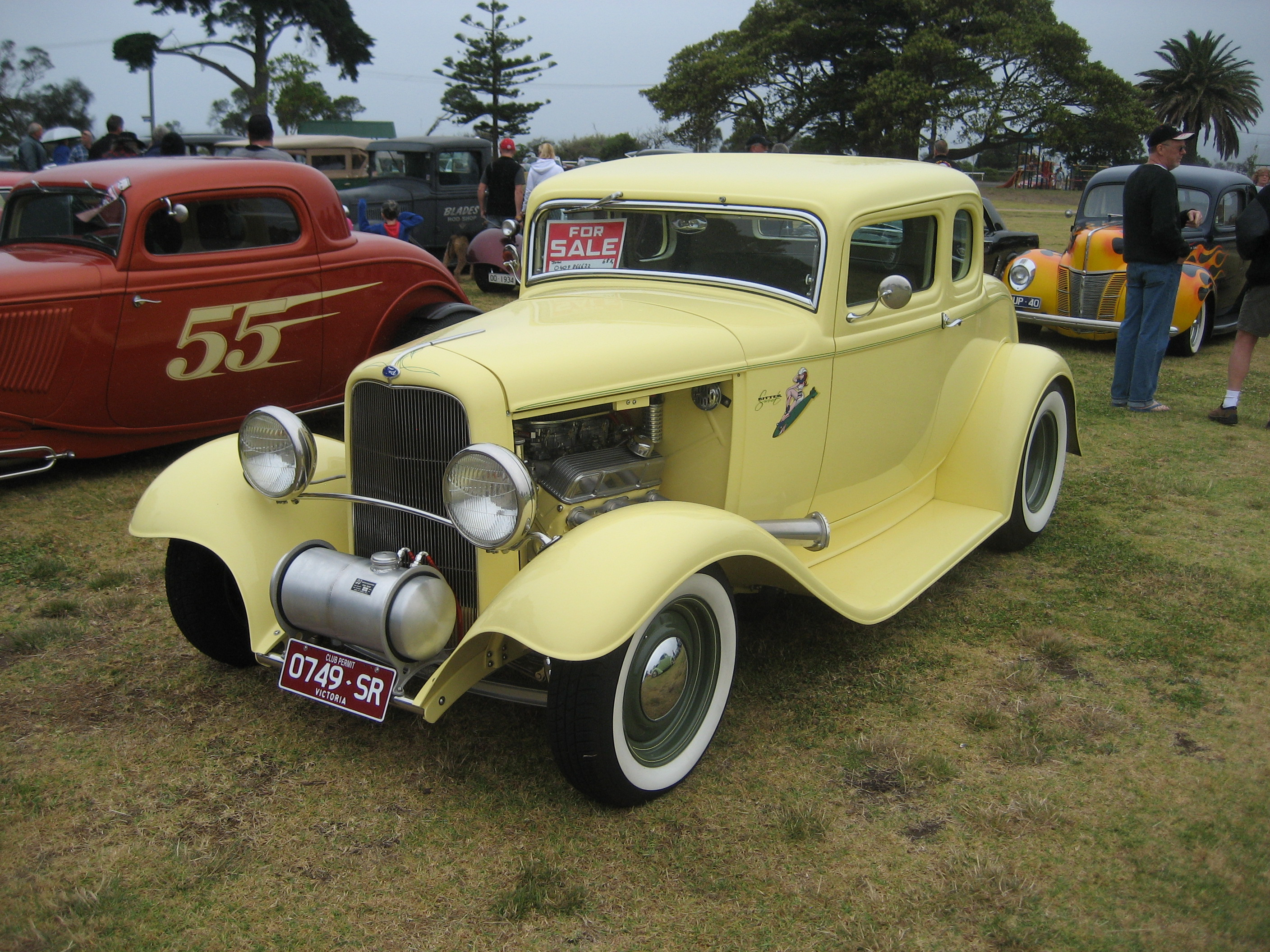 File:1932 Ford 5 Window Coupe Hot Rod.jpg - Wikimedia Commons