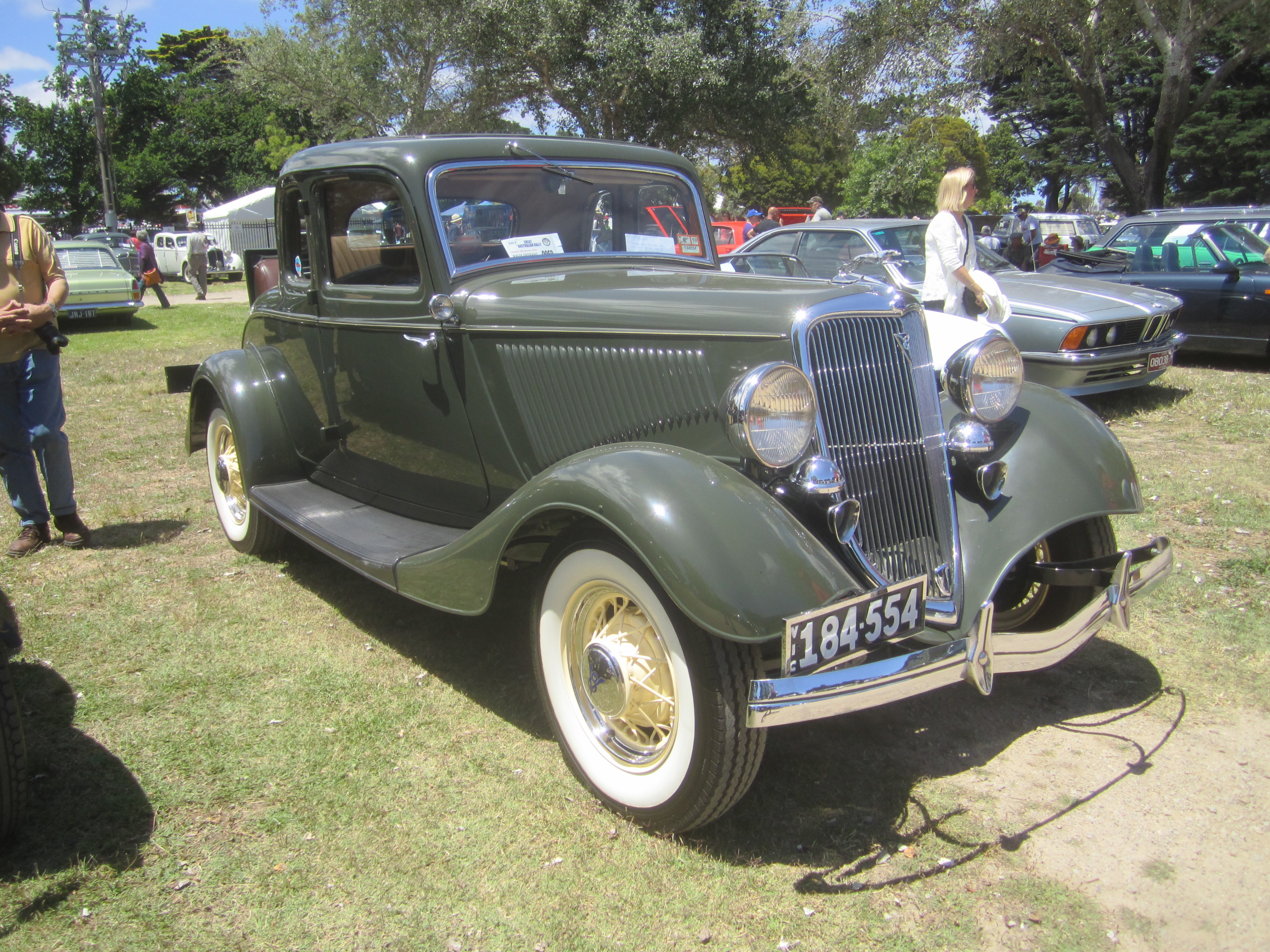 File:1934 Ford Model 40A 5 window Coupe.jpg - Wikimedia ...