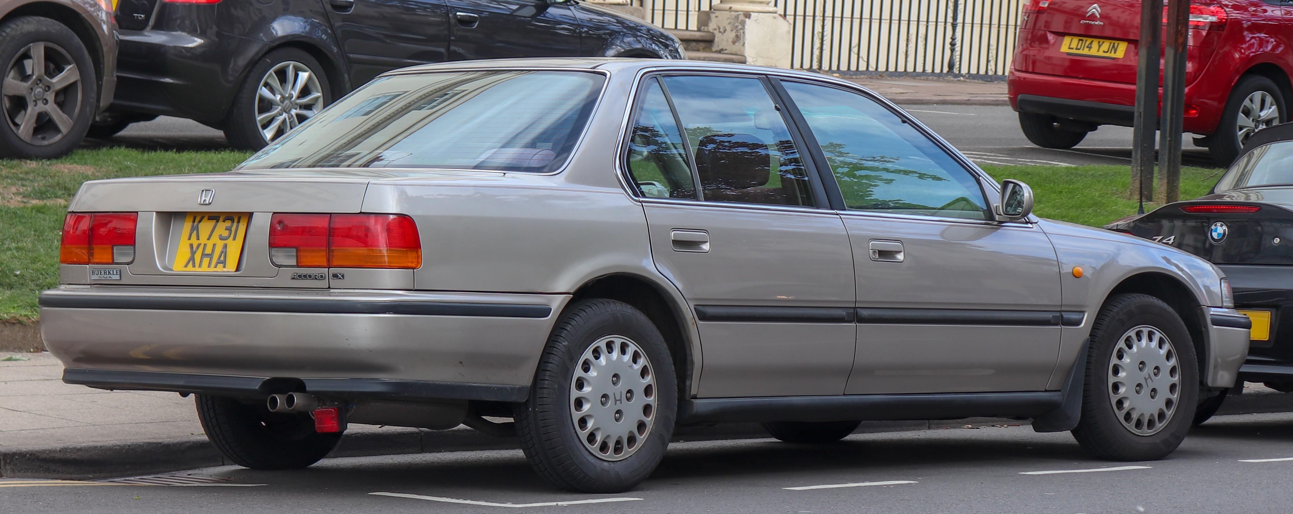 File:1993 Honda Accord 2.2 Rear.jpg - Wikimedia Commons